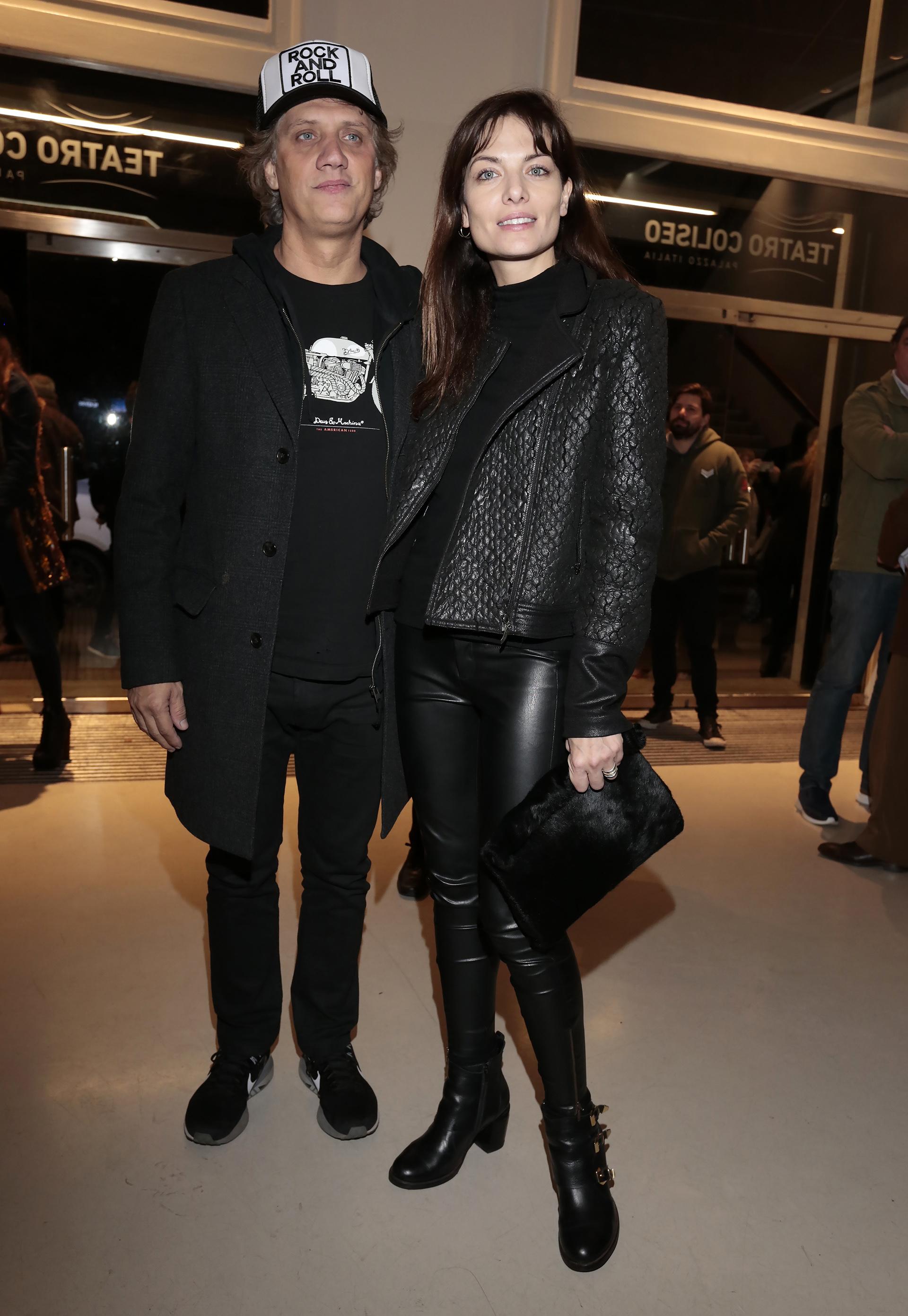 Charly Alberti y su novia, la modelo Marina Mozzini. Ese mismo viernes, pero por la mañana, el baterista estuvo en el homenaje que la Legislatura Porteña le realizó a Soda Stereo, con aquella placa que tenía un error enla inscripción