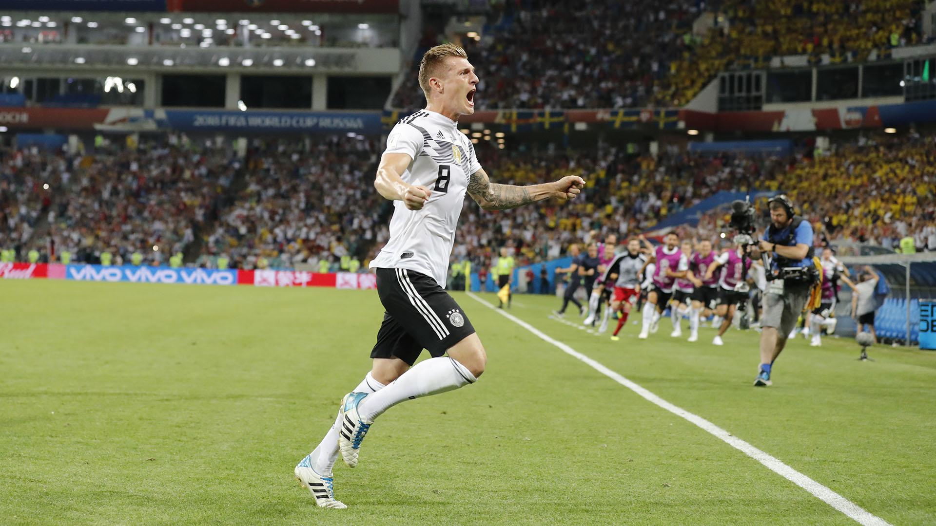 Toni Kroos le dio la victoria a Alemaniaante Suecia en la agonía del partido