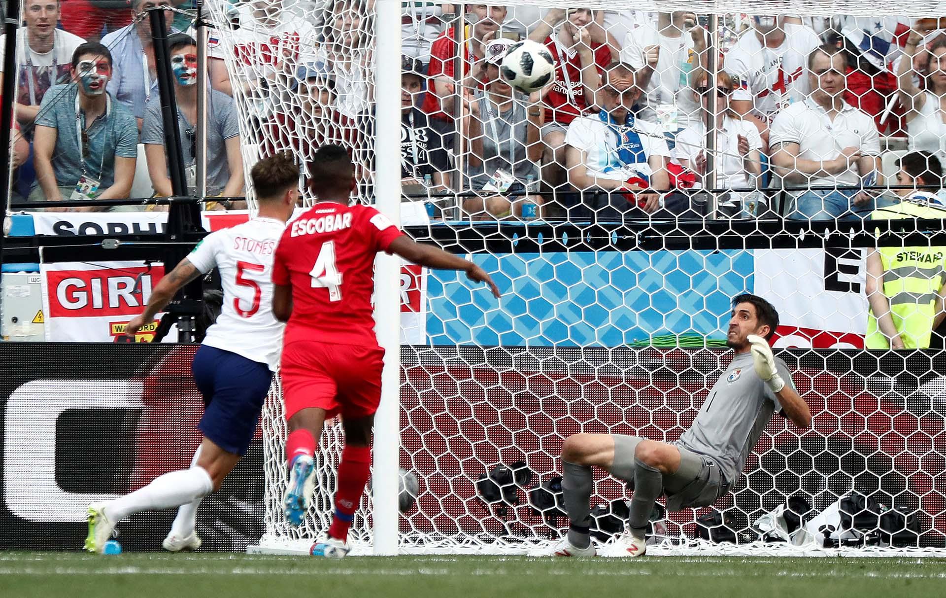 John Stones anotó dos goles en el triunfo de Inglaterra por 6-1 sobre Panamá (REUTERS/Murad Sezer)