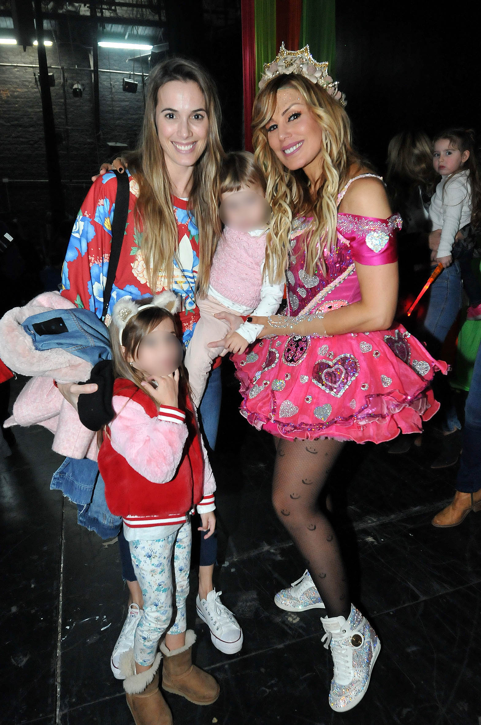 Checho Bonelli llevó a sus hijas, Lupe y Carmela