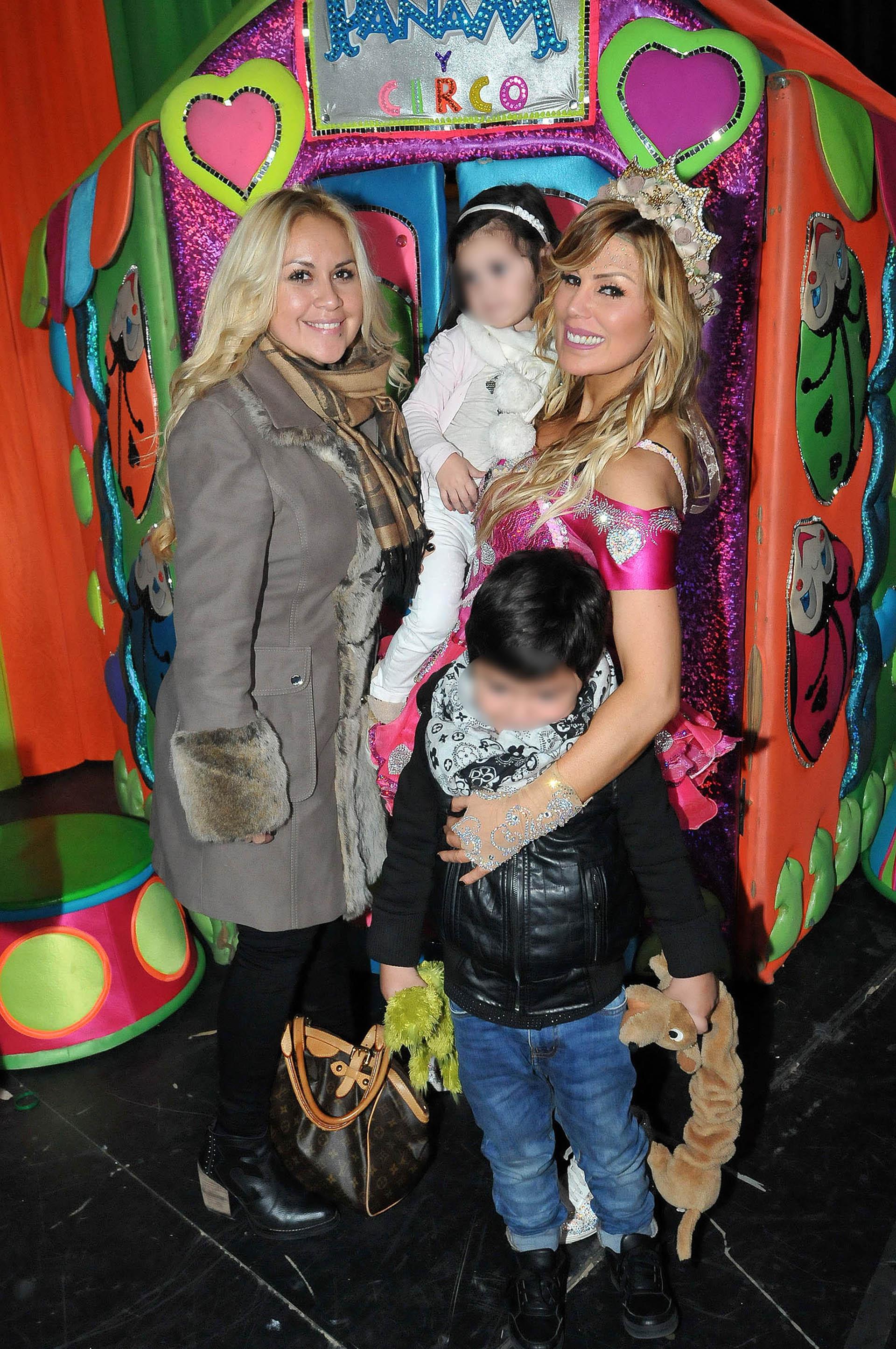 Verónica Ojeda llevó a su hijo, Dieguito Fernando, al show