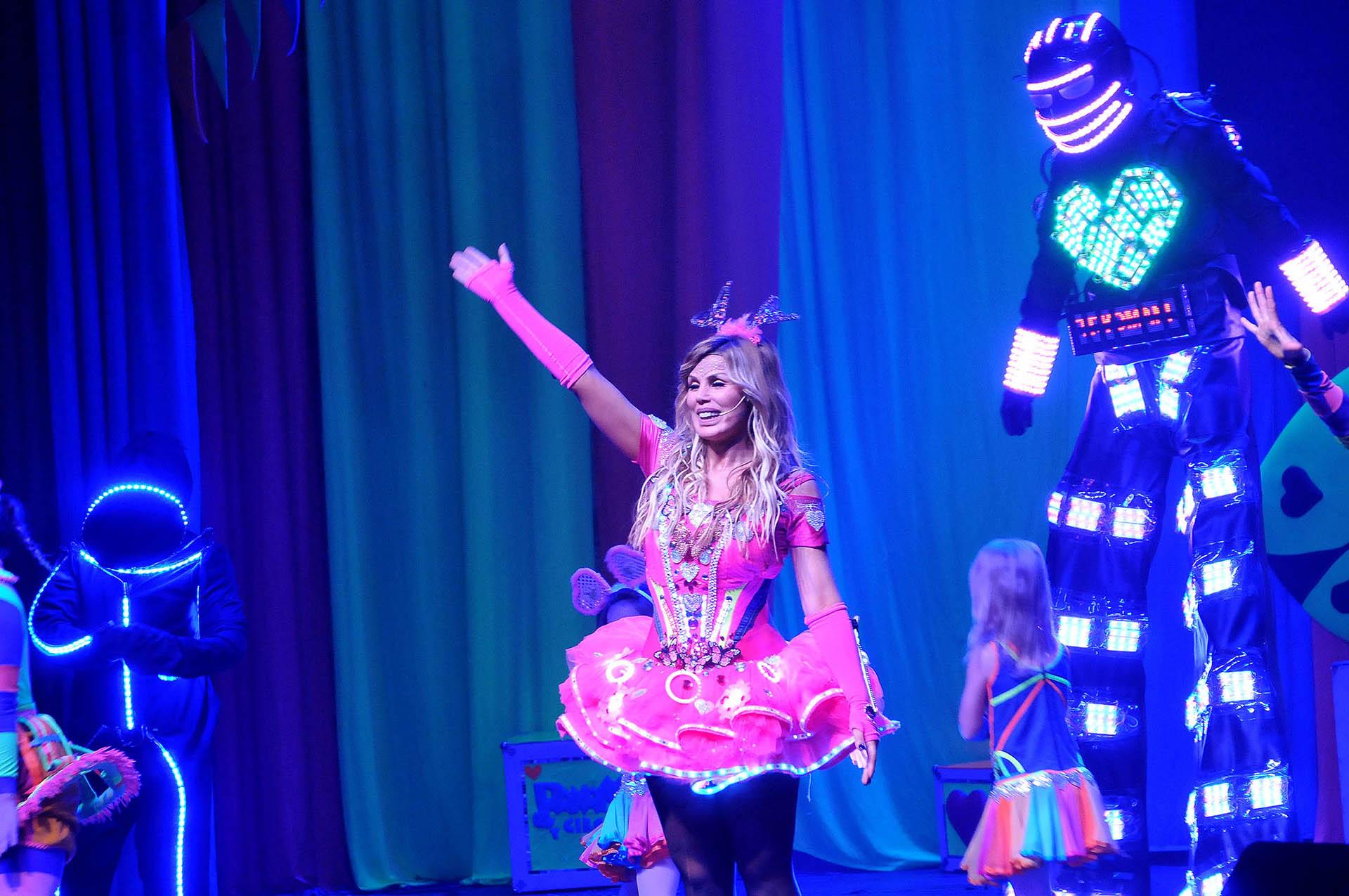 Muchos famosos fueron a ver el show en el Teatro Astral