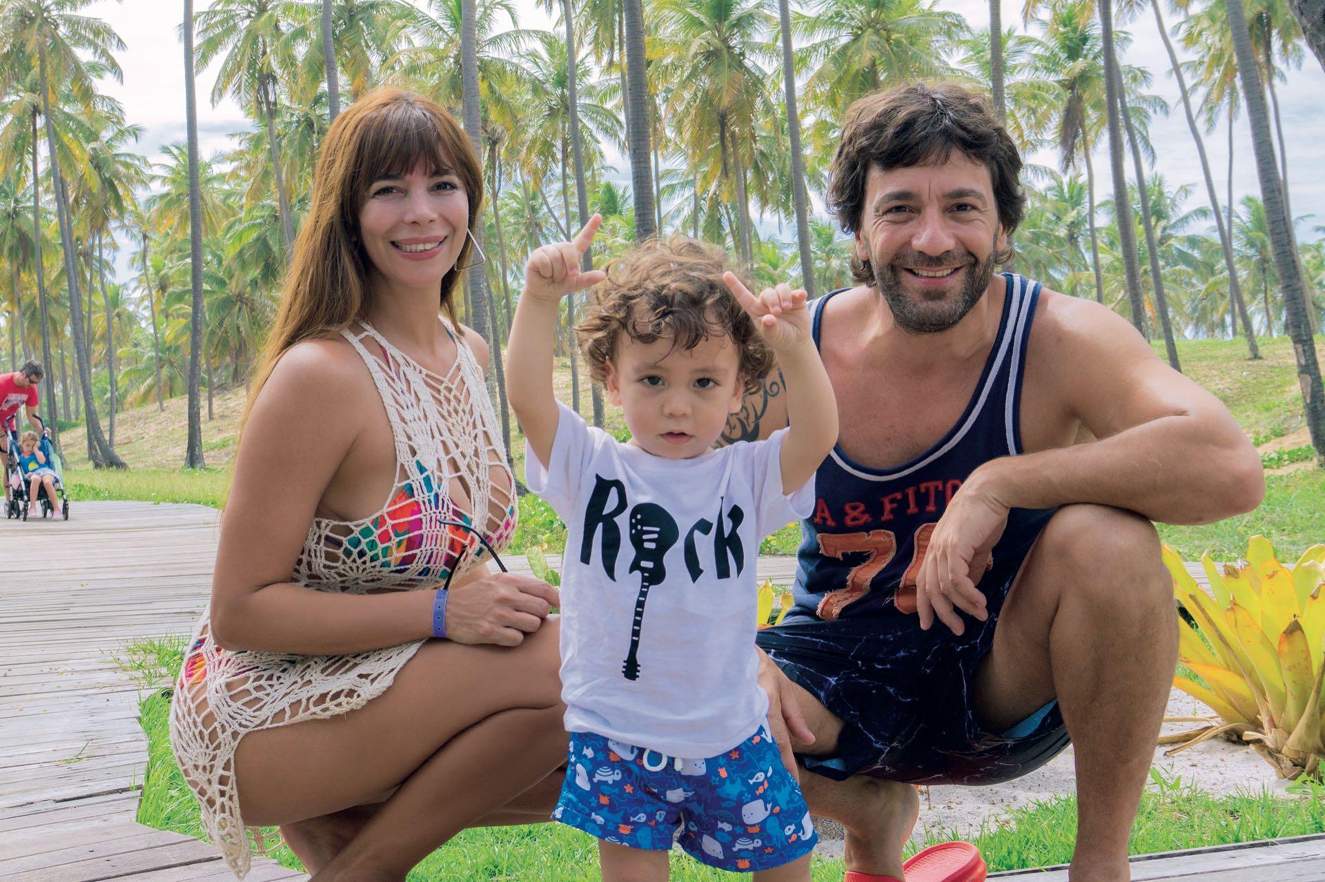 Ximena Capristo, Gustavo Conti y el pequeño Félix.