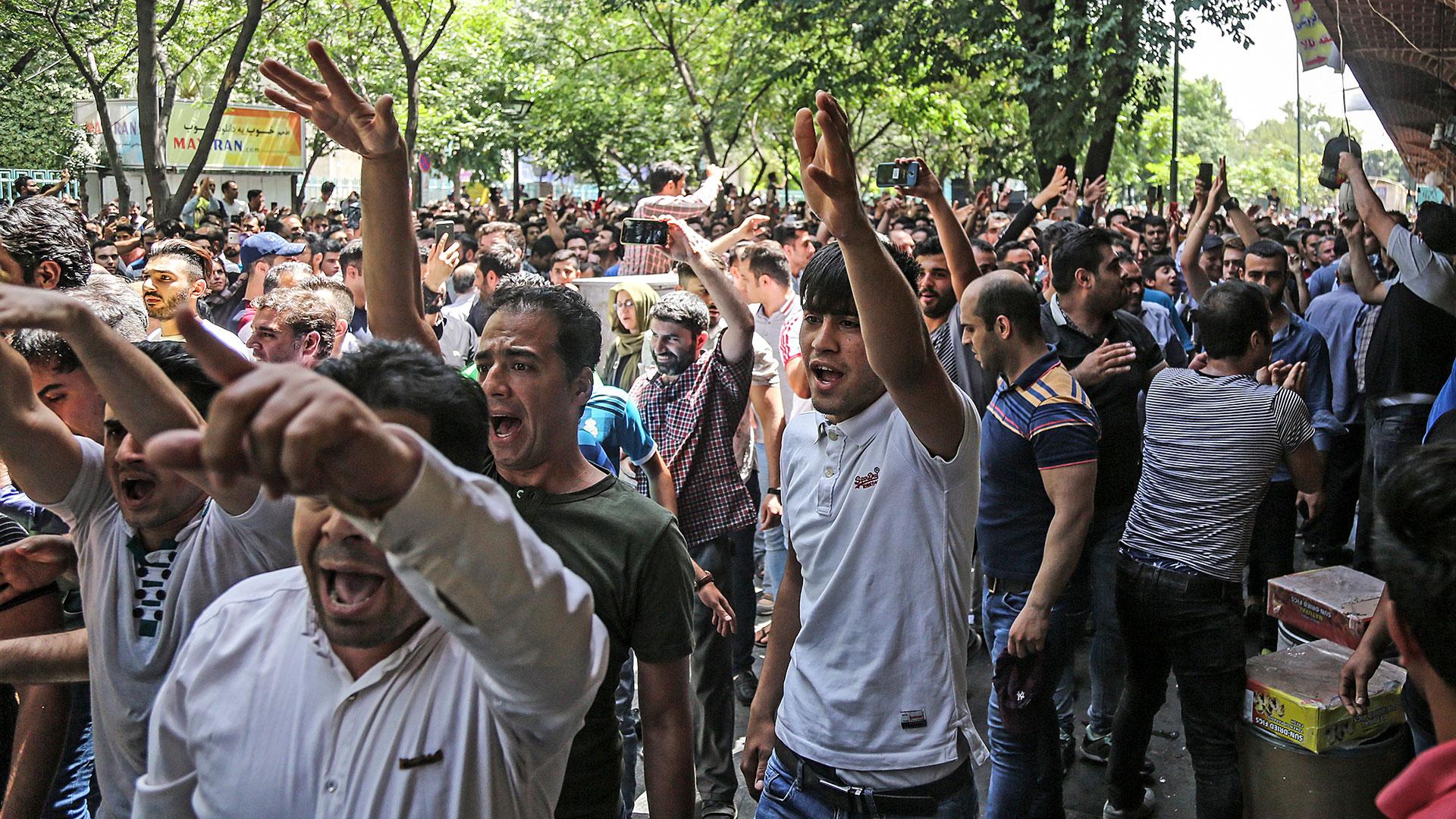 Protestas de iraníes por la situación económica (AP)