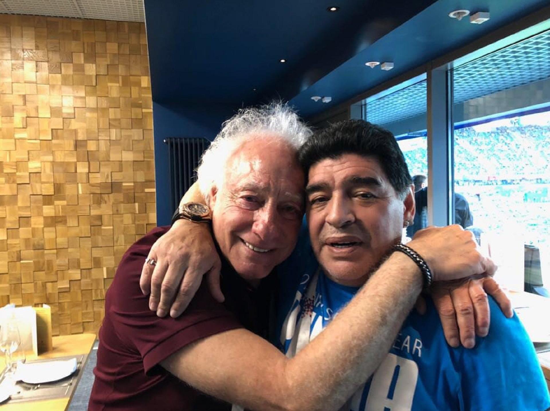 """Diego Maradona se reencontró con Guillermo Coppola en el partido de Argentina contra Nigeria. Dejaron atrás sus diferencias y se reconciliaron. """"Era un abrazo pendiente"""", dijo el ex representante"""