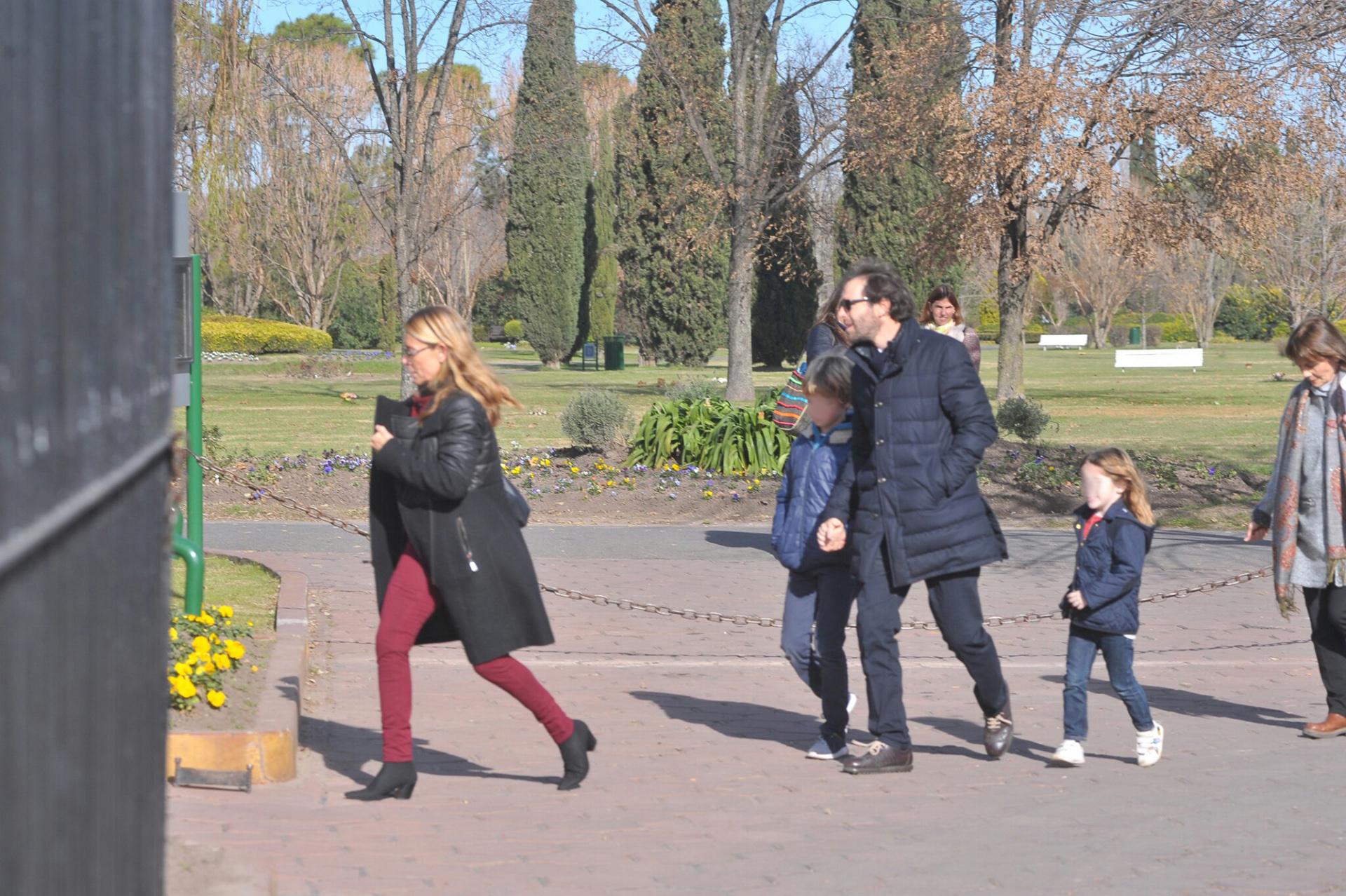 María Emilia, César Bustos y sus dos hijos Cesarito y Cala