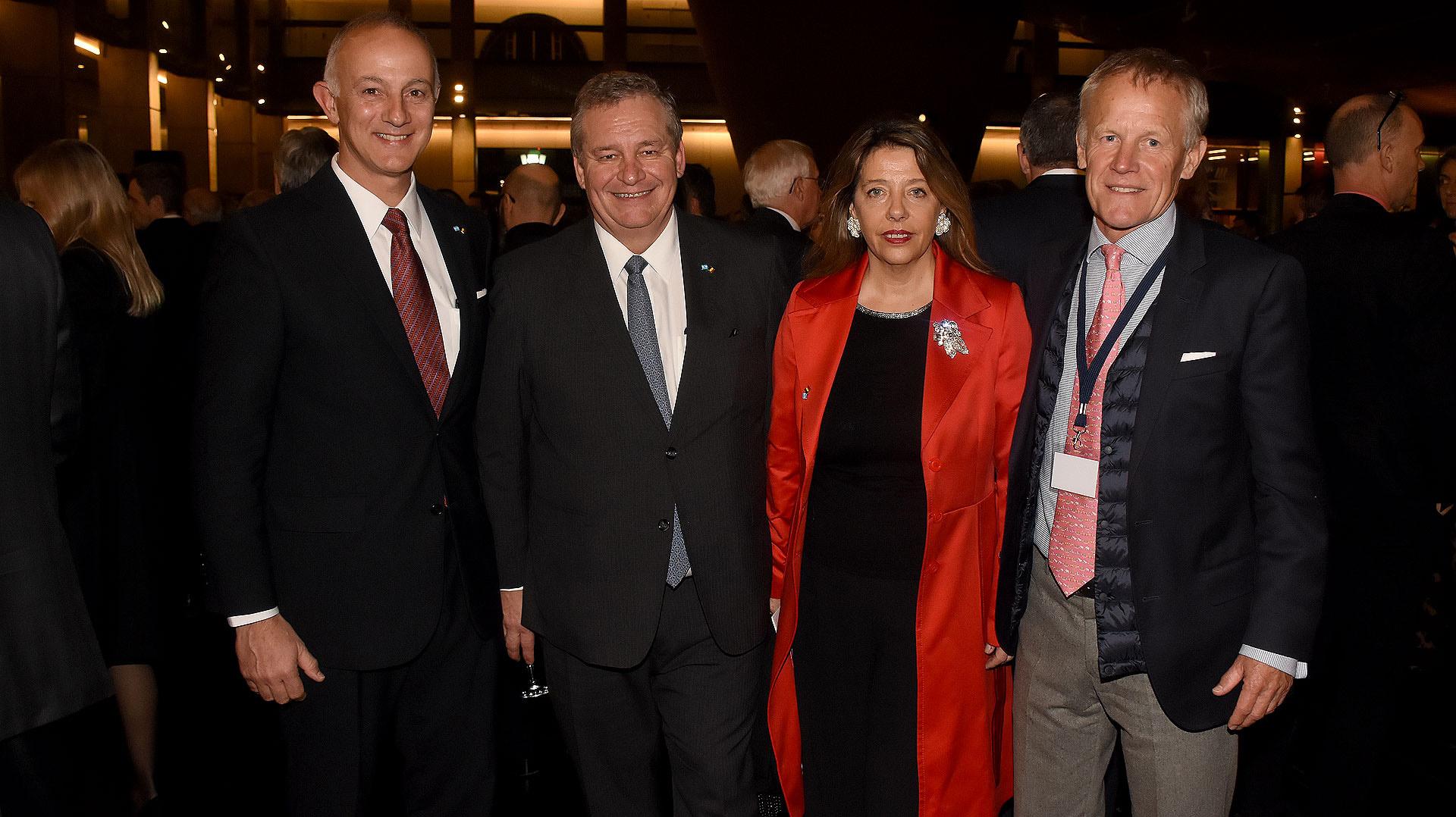 Carlos Juni, presidente de Ionics, junto al embajador de Bélgica en la Argentina, Peter Maddens; María Claudia Pedrayes y Frank Giegas, CEO de DS Group