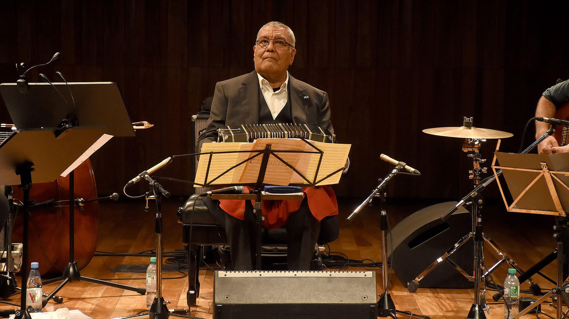 Dino Saluzzi es el bandeonista y compositor argentino de mayor trayectoria y reconocimiento internacional