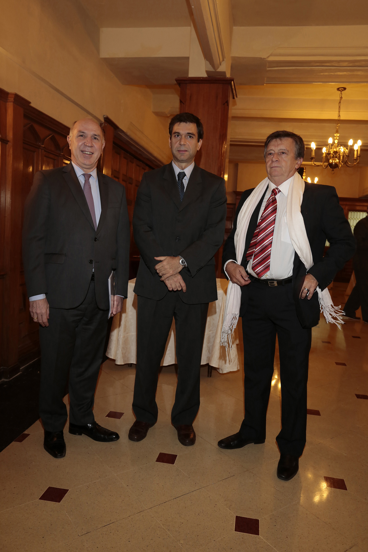 Ricardo Lorenzetti y Daniel Dessein, presidente de ADEPA, en la antesala de la cena de la entidad que se realizó en un hotel del microcentro porteño