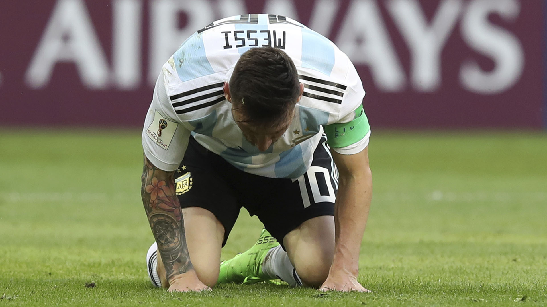 55 fotos de la desolación de Messi por la eliminación de la ...