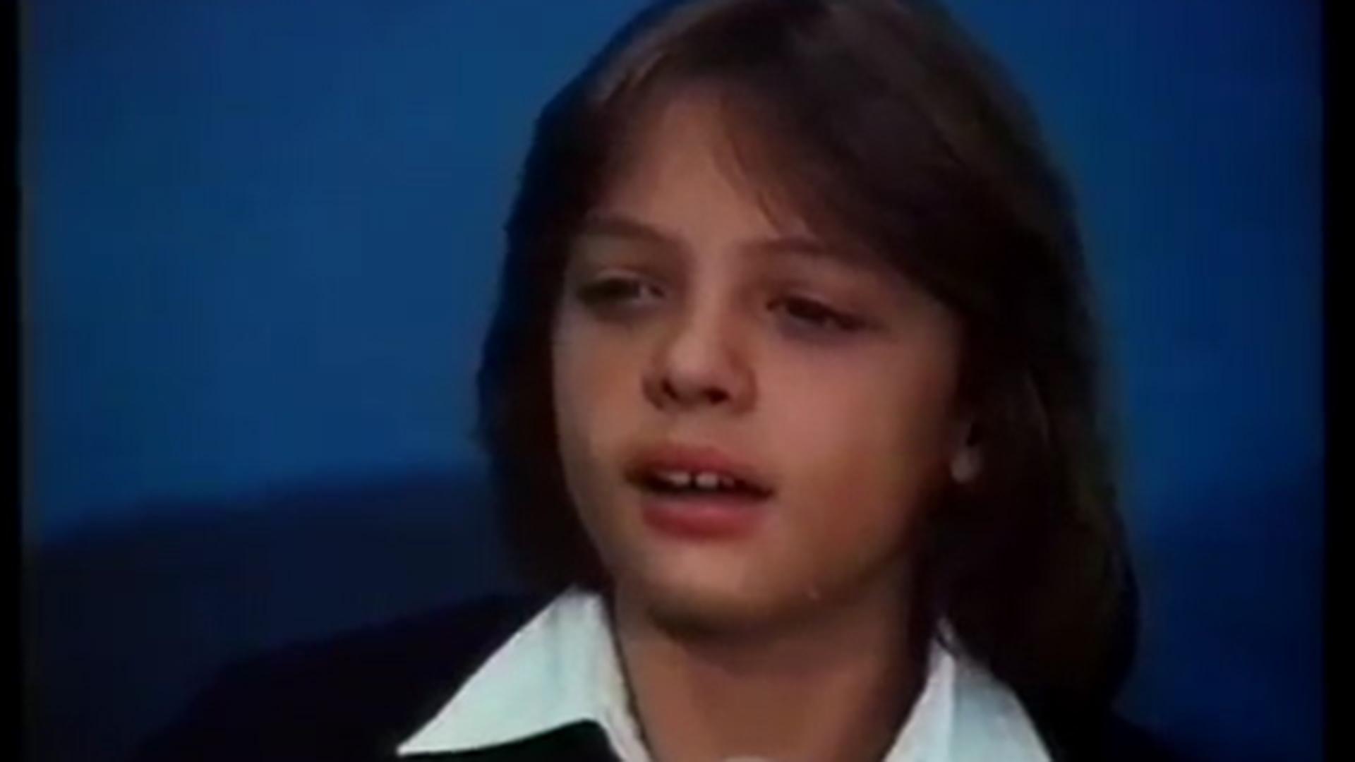 En su primer largometraje, Luis Miguel interpreta varias canciones