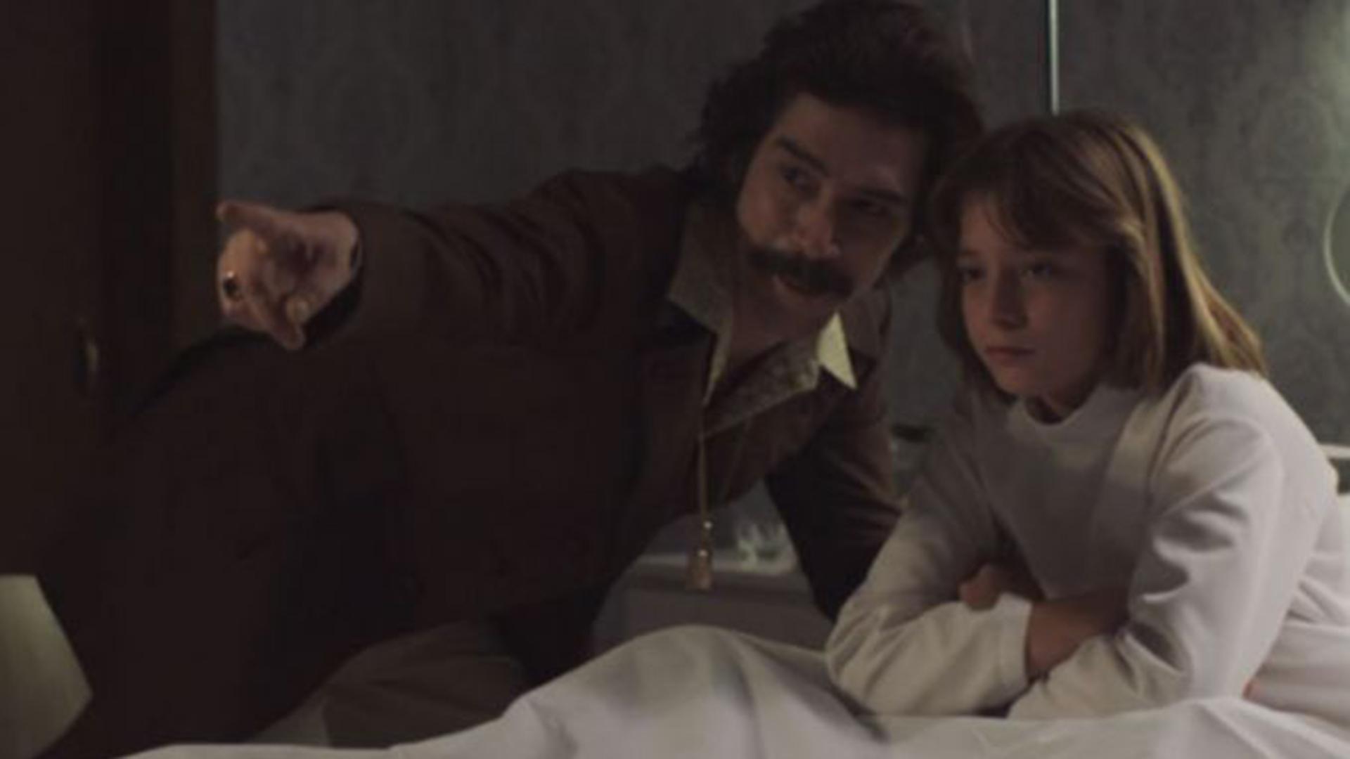 """""""Luis Miguel, la serie"""" revela que el padre del cantante le suministró efedrina"""