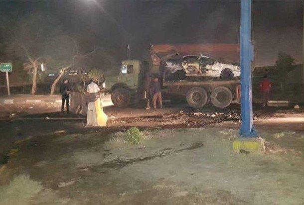 Los manifestantes incendiaron un auto (Twitter P.M.O.I@Mojahedineng)