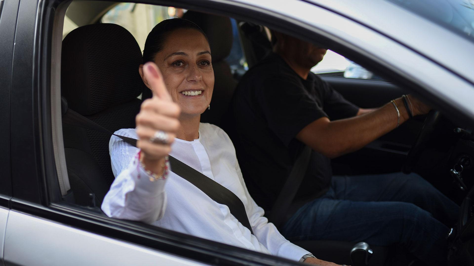 La jefa de gobierno anunció que usará su auto para trasladarse en lugar de un vehículo oficial (AFP)