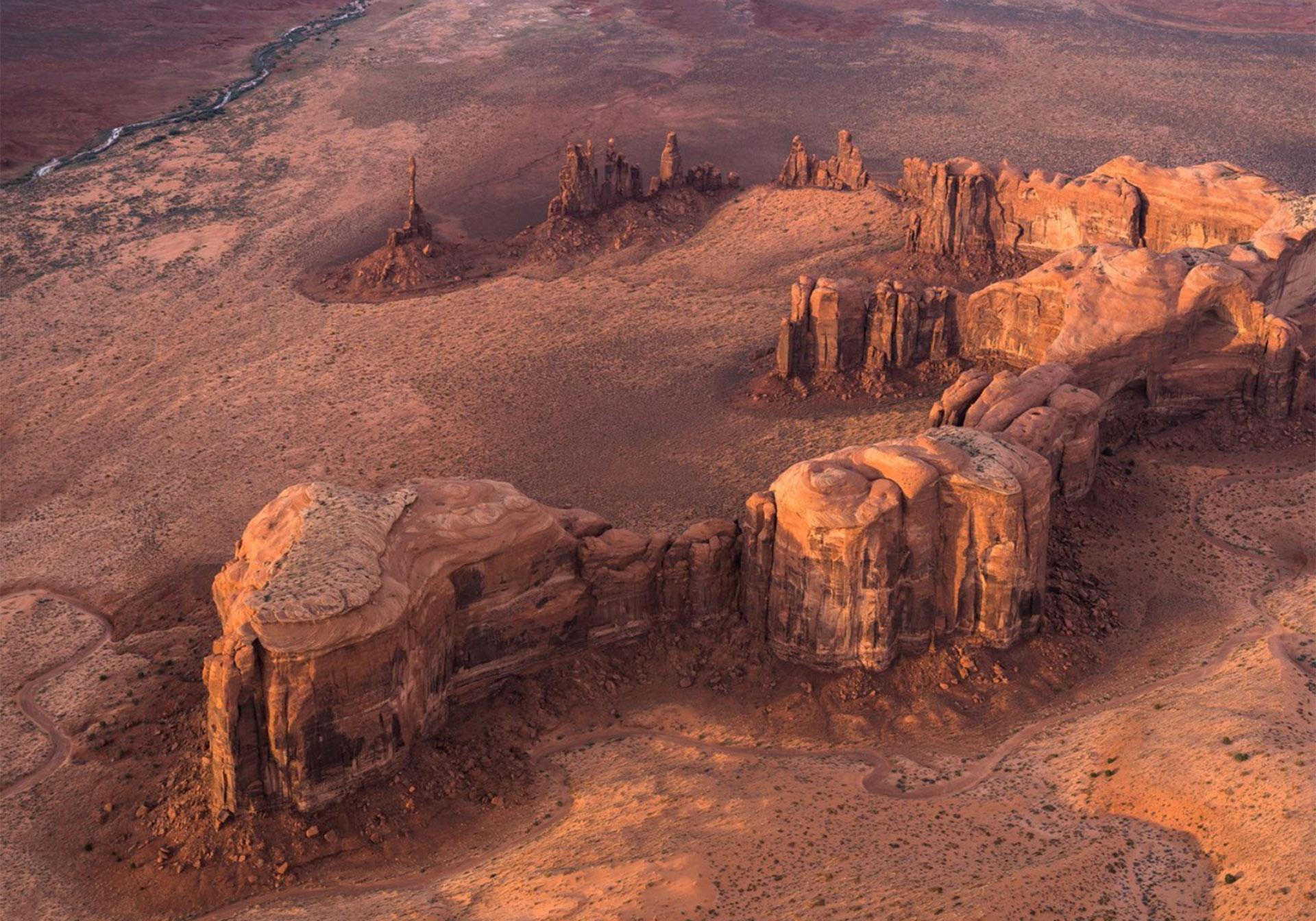 """""""Puesta del sol en el Monument Valley"""". Utah, Estados Unidos."""