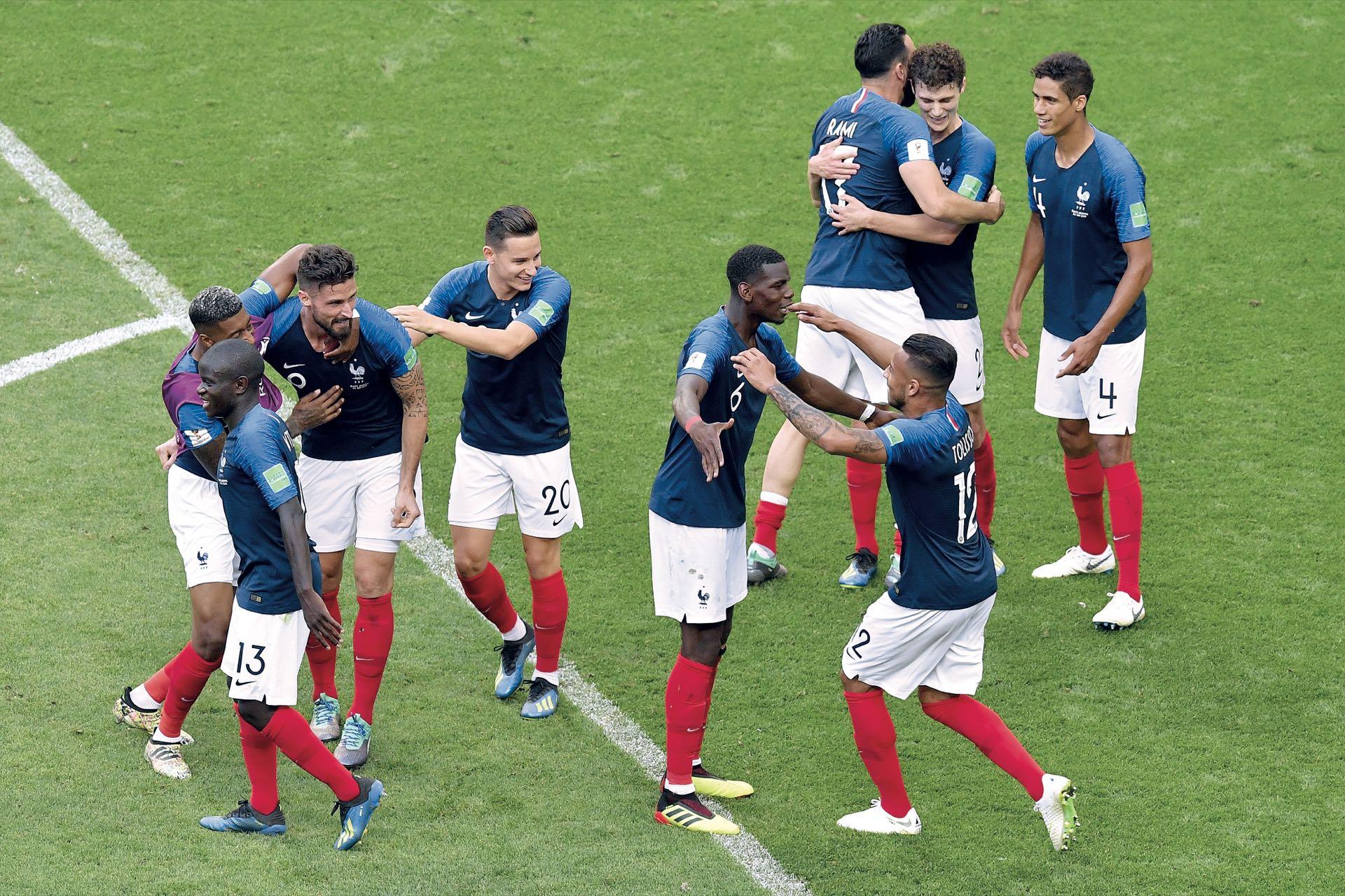 Con un poco de angustia, aguantando la embestida albiceleste, Francia consiguió su pasaporte a los cuartos de final.