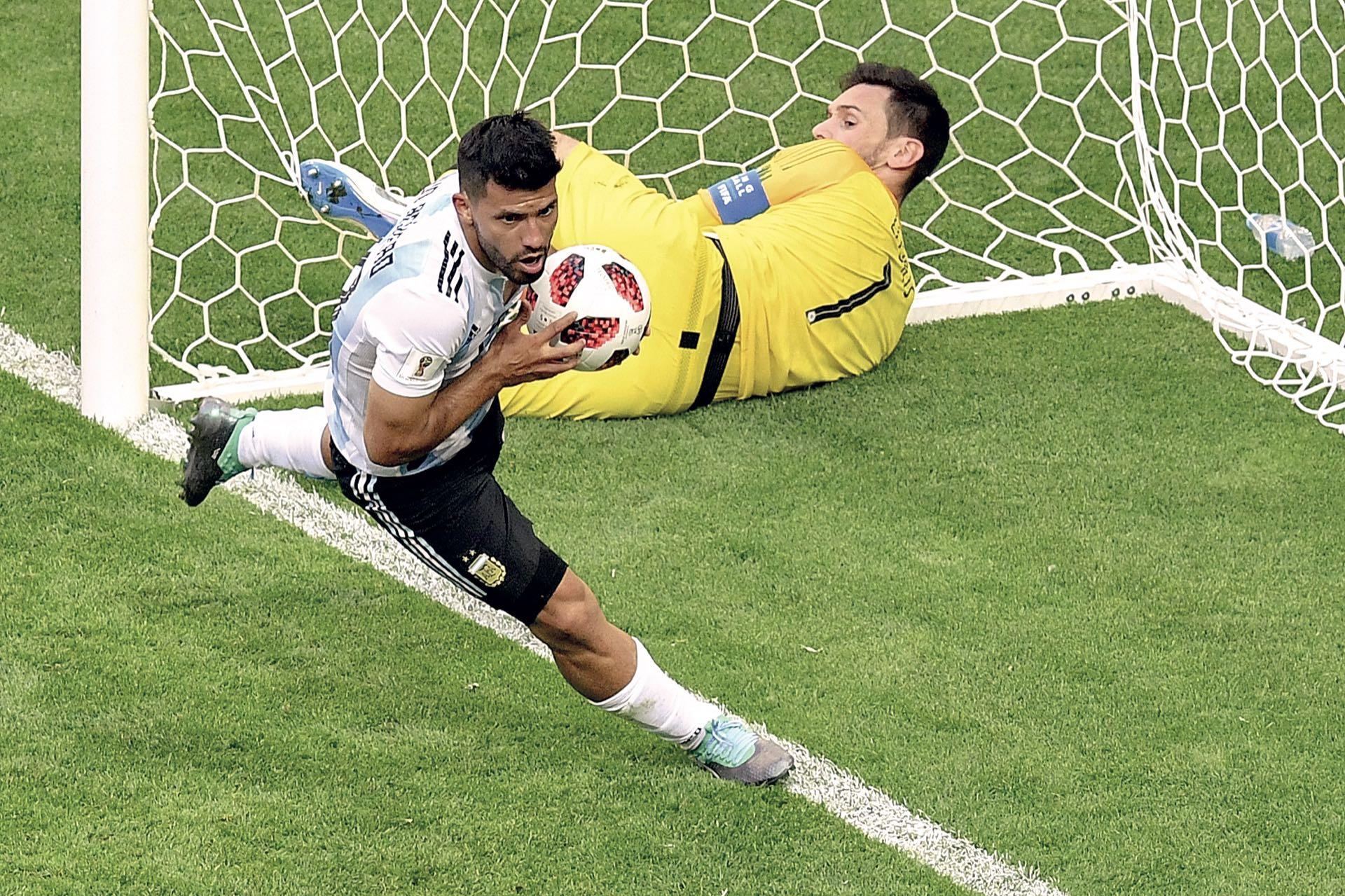 El gol agónico del Kun Agüero en el final apenas maquilló las cifras. No se pudo.