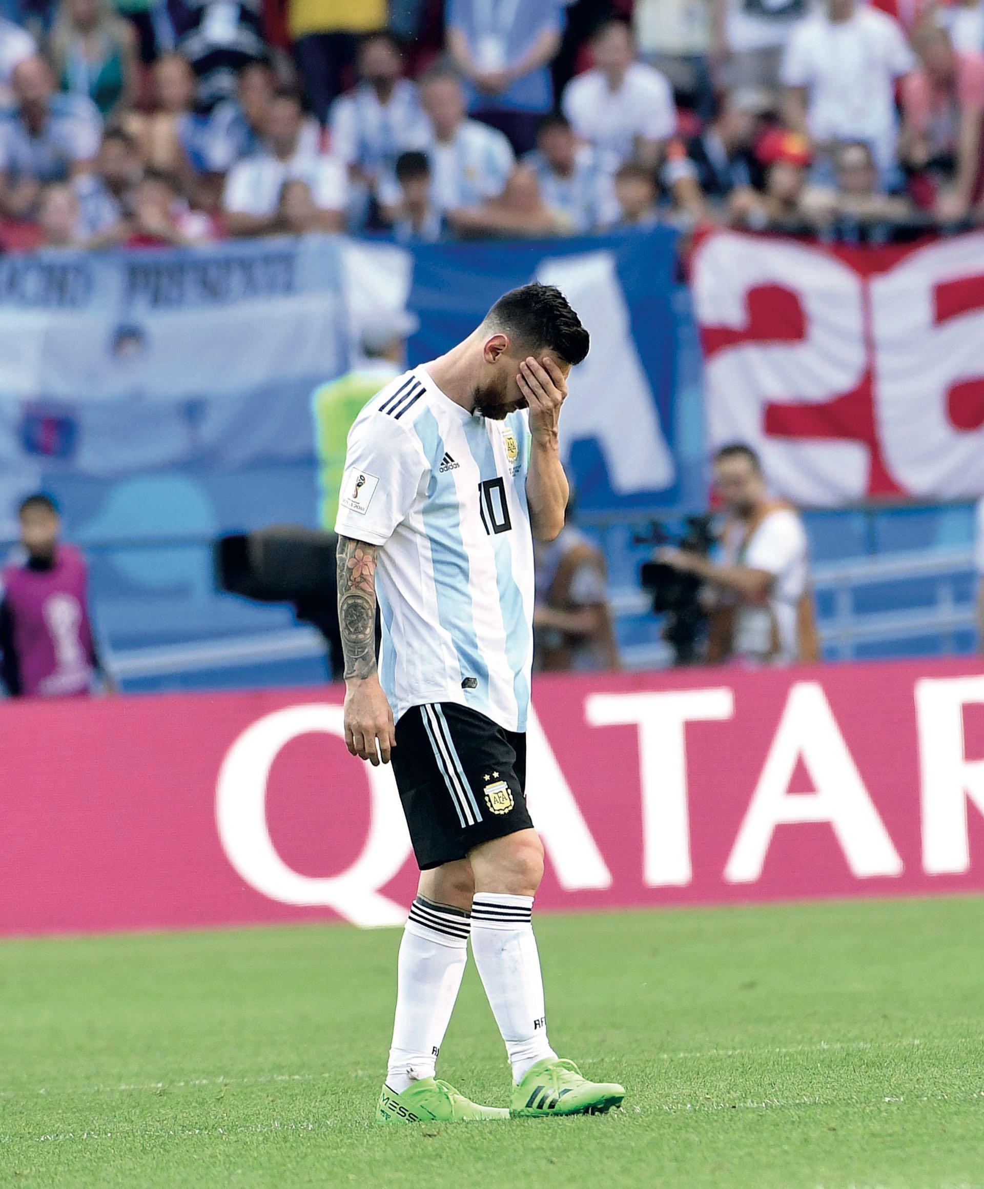 La imagen que no deseábamos: Messi con gesto de decepción. Esta fue la cuarta participación de Lionel en Mundiales y, a los 31 años, deberá evaluar su futuro con la celeste y blanca. Las puertas, sin dudas, siempre estarán abiertas para él.