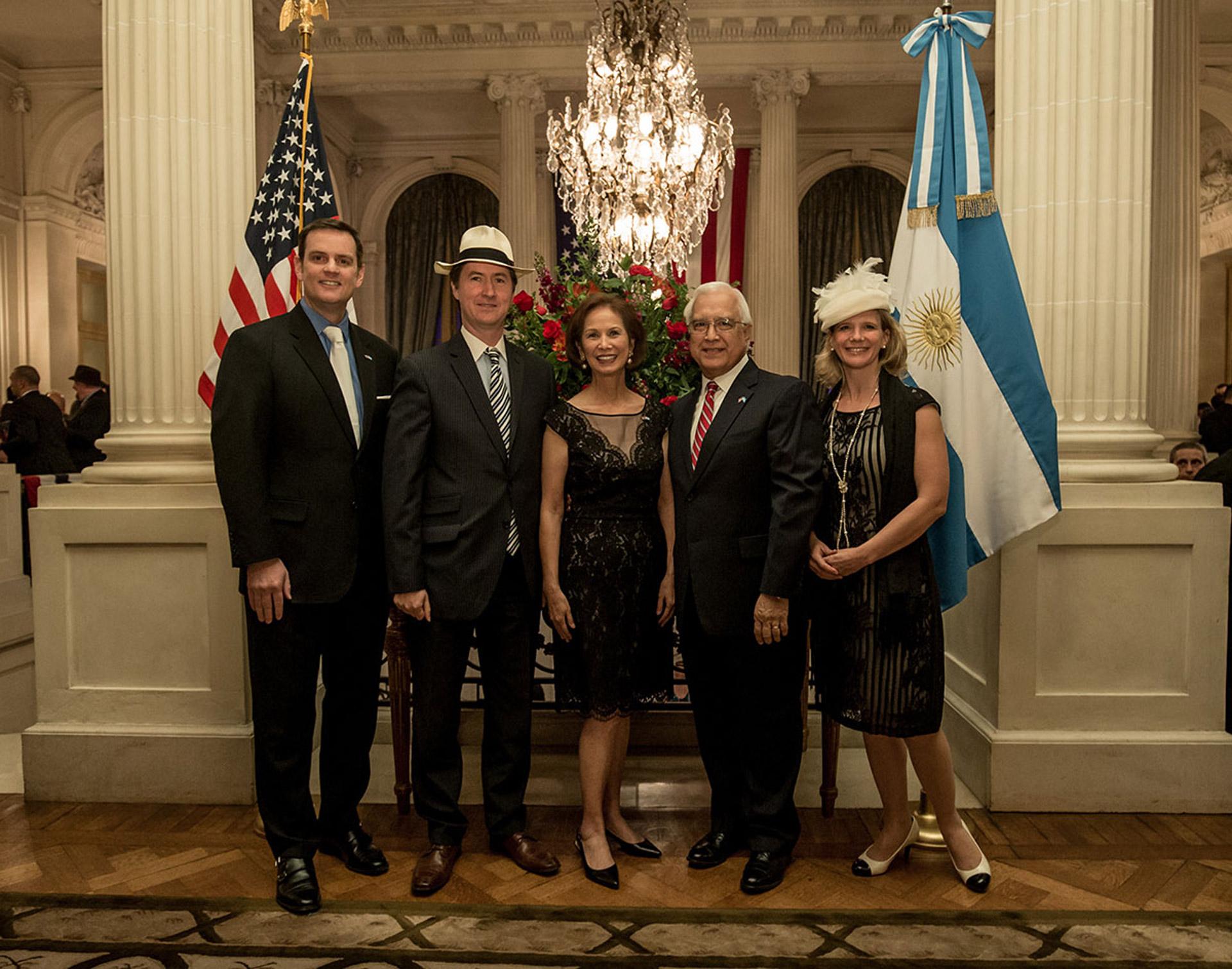El embajador de Canadá en la Argentina, Robert Fry, y su mujer