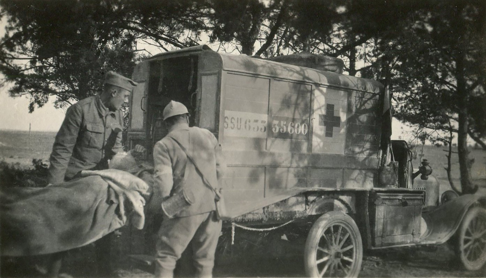 James Moses participó de la guerra como conductor de ambulancias a bordo de un Ford T (Shawn Moses y Jason Jellison)