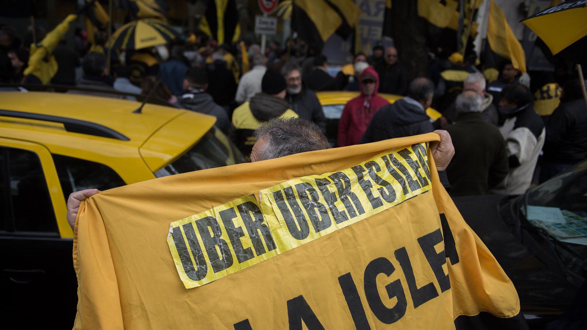 Los taxistas, protagonistas de todas las movilizaciones contra UBER (Foto: Adrián Escandar)