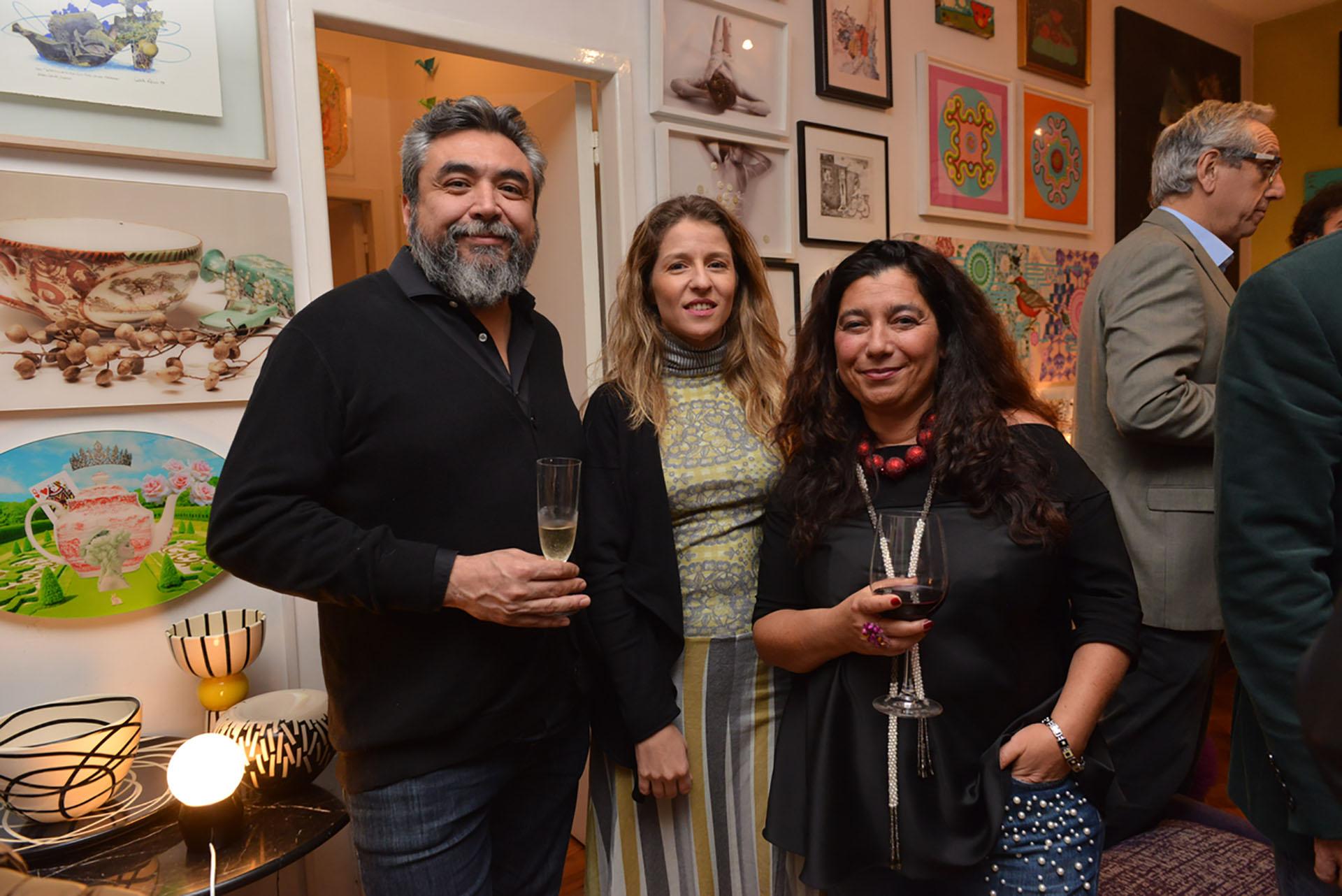 Cristian Alarcón, Luciana Mantero y Mariela Ivanier