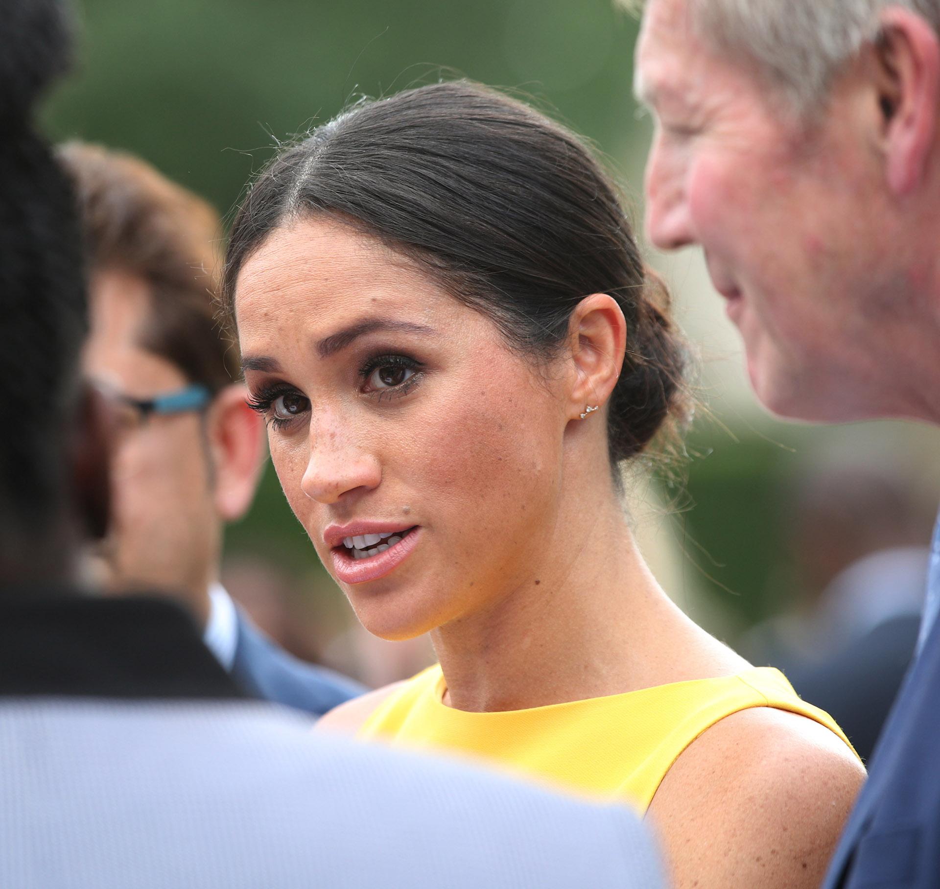 La duquesa eligió un maquillaje muy sencillo al igual que sus alhajas: apenas un diminuto par de aros