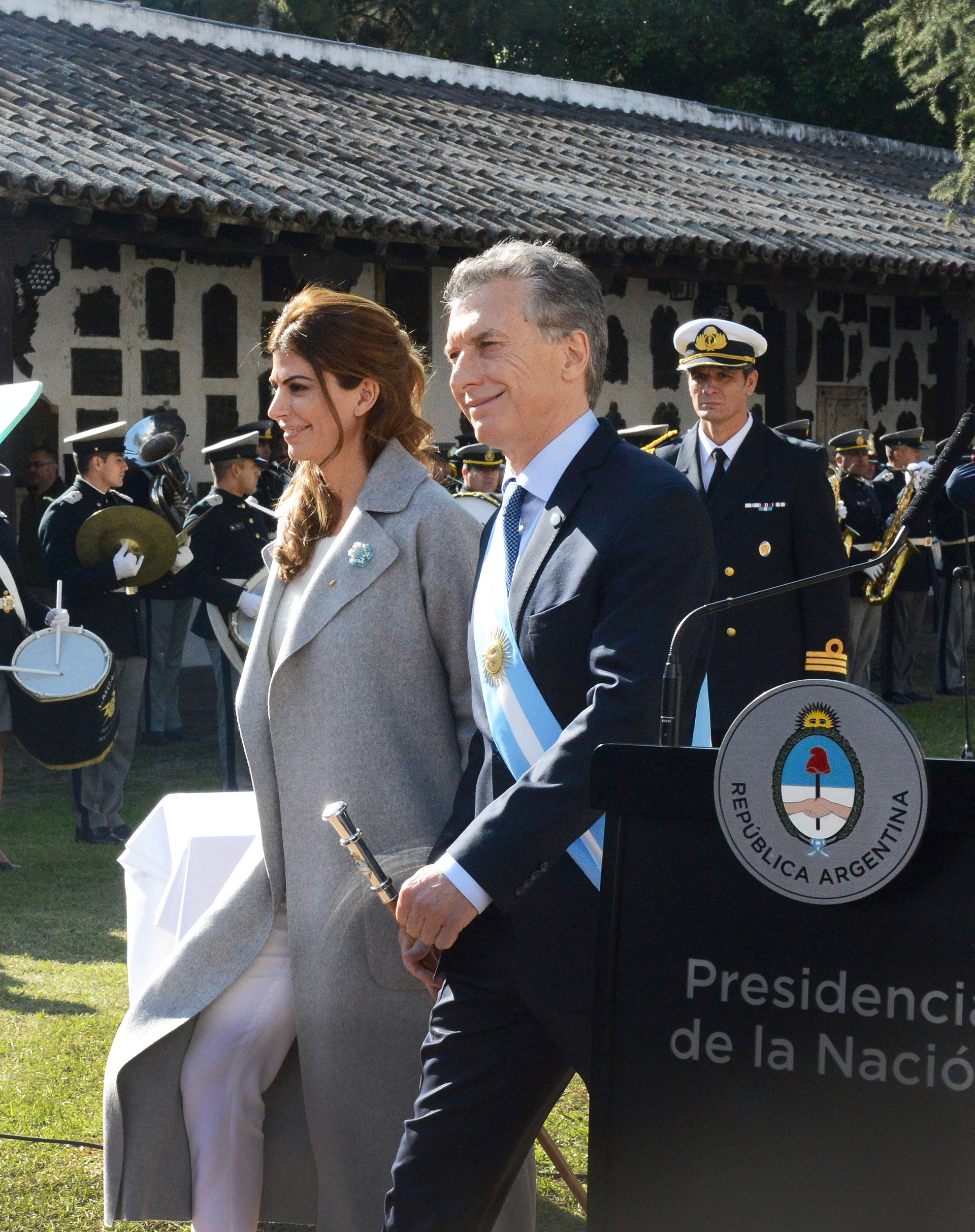 En un extenso discurso de fuerte contenido político, Macri admitió problemas de gestión como consecuencia de las turbulencias económicas que afectan al país.
