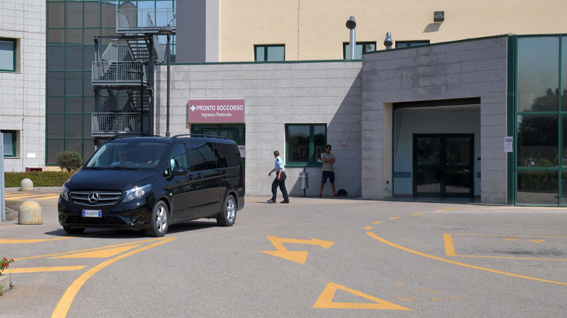 La entrada del hospital Juan Pablo II de Costa Corallina, Puntaldia, donde fue trasladado el actor.