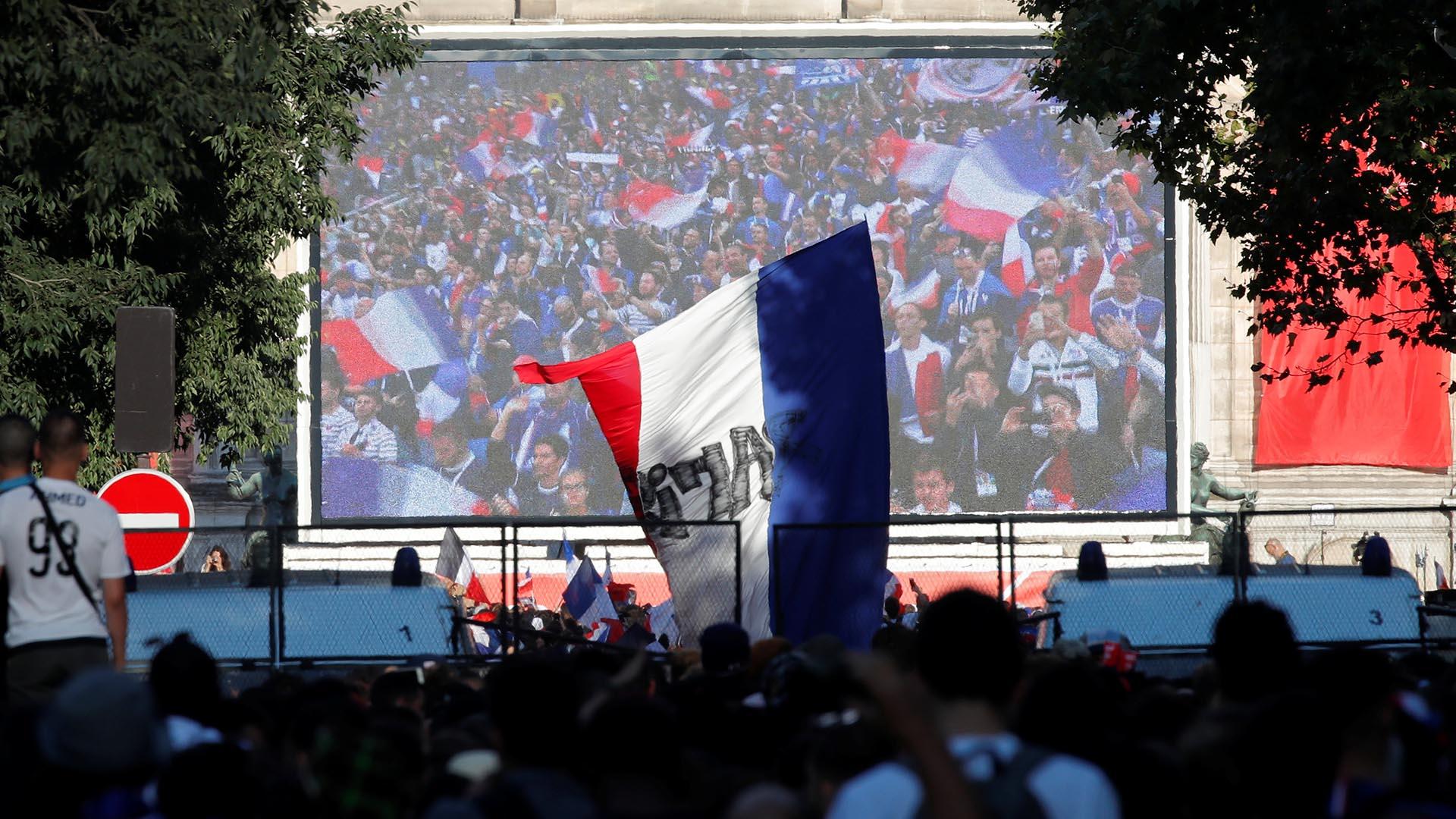 Tras la consagración de 1998 y la desilusión de 2006, Francia tendrá la oportunidad de bordar su segunda estrella ante Croacia o Inglaterra