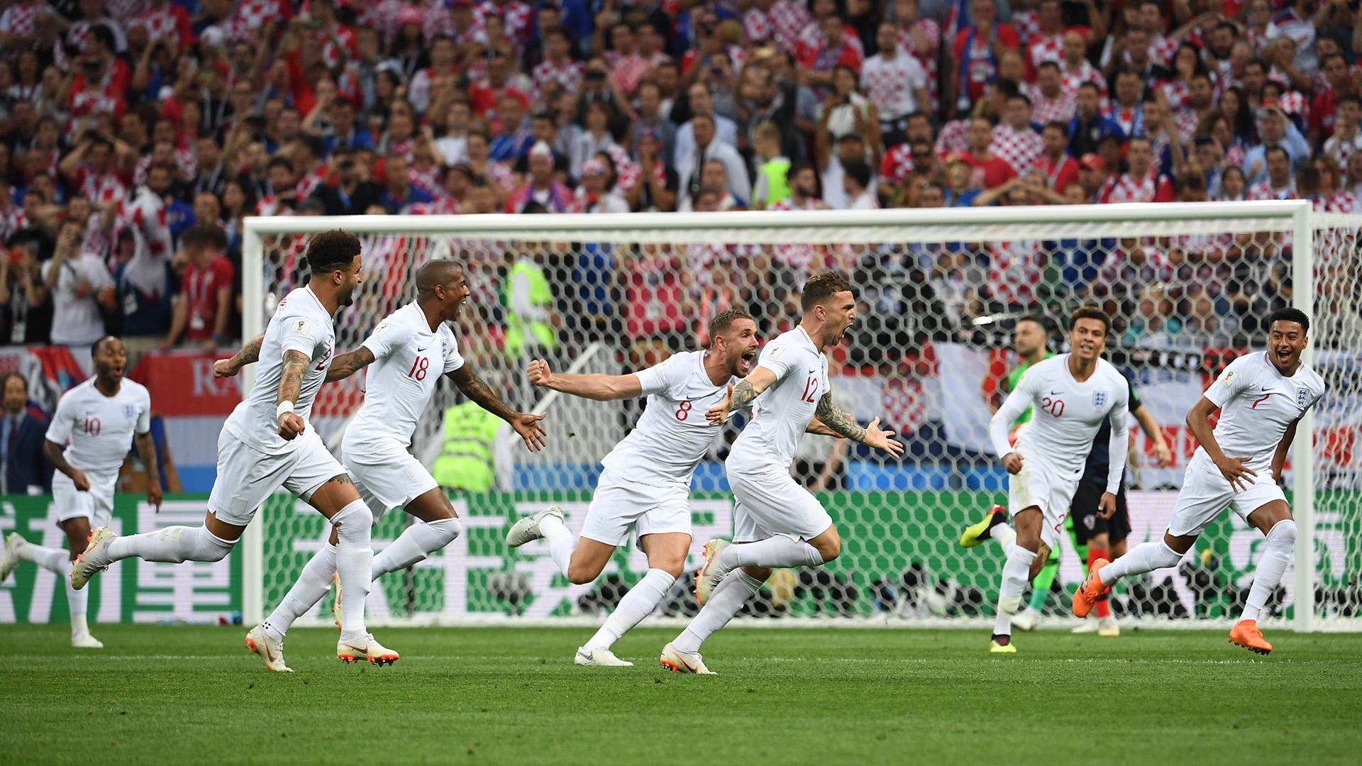 Kieran Trippierfesteja su golazo ante Croacia en la semifinal de Moscú(AFP PHOTO / MANAN VATSYAYANA)