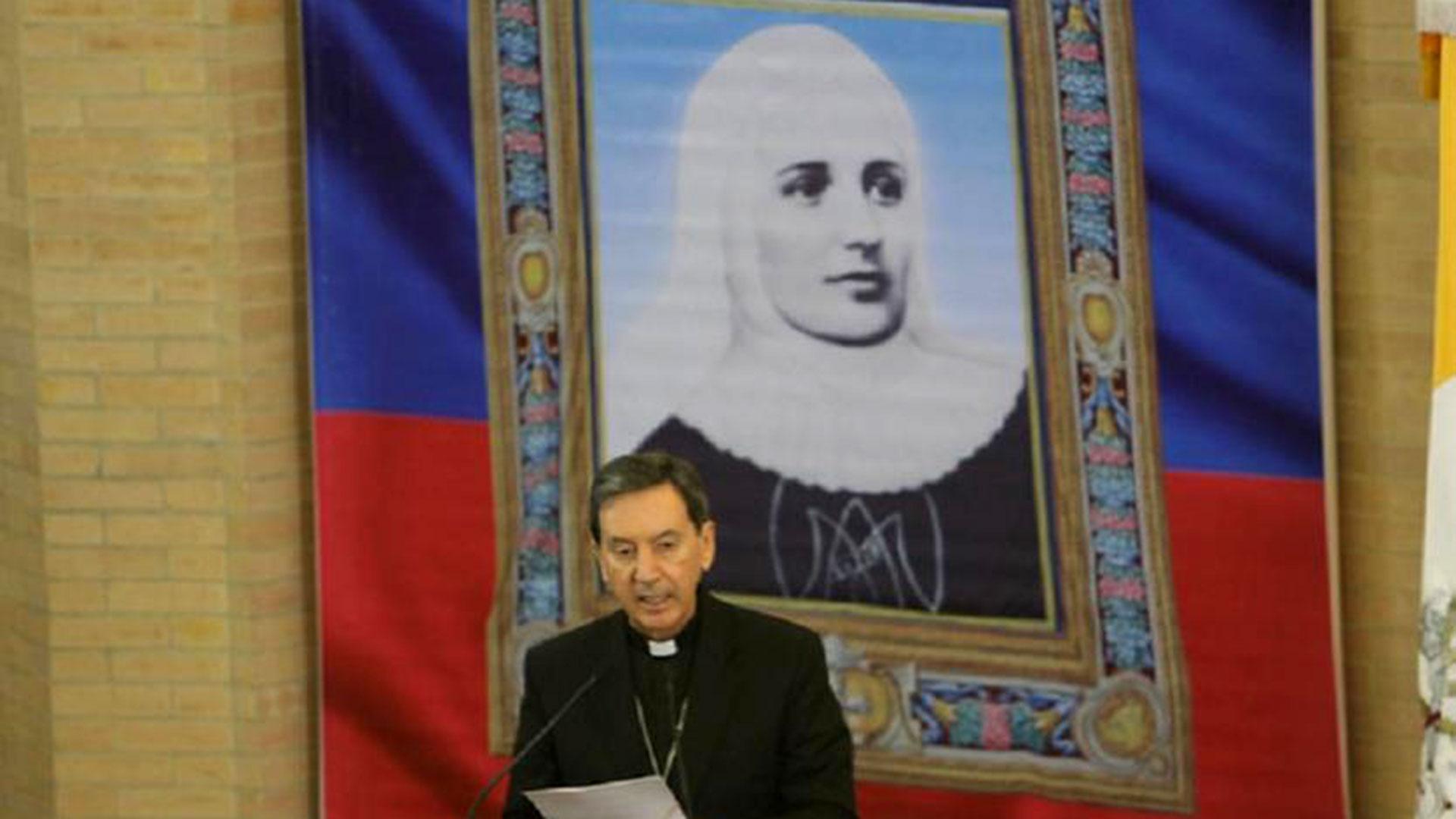 Laura fundó la Congregación de las Hermanas Misioneras de la Beata Virgen María Inmaculada y de Santa Catalina de Siena, falleció en 1949 y en 2013 se convirtió en la primera santa colombiana