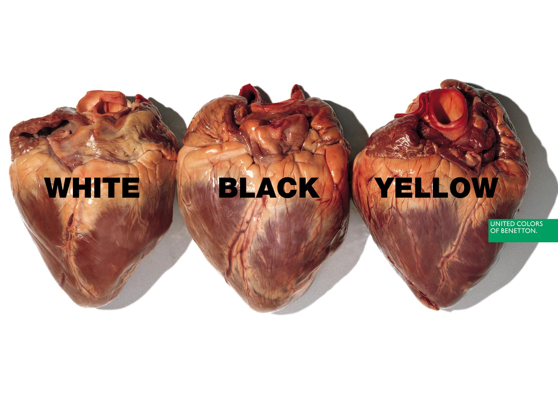 """1996. Tres corazones, tres razas. """"Blanco, negro, amarillo"""". Mensajes de colores que representan a las diferentes razas humanas. Por más que sean diferentes tonos de piel, en el interior son todos exactamente iguales"""