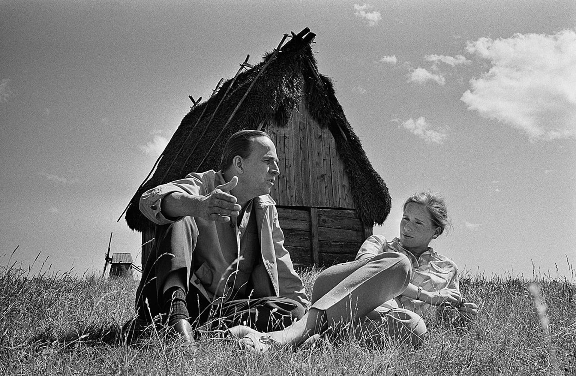 Junto a Liv Ullmann, en el día de su cumpleaños 50, cerca de su casa en Fårö (Gunnar Källström)