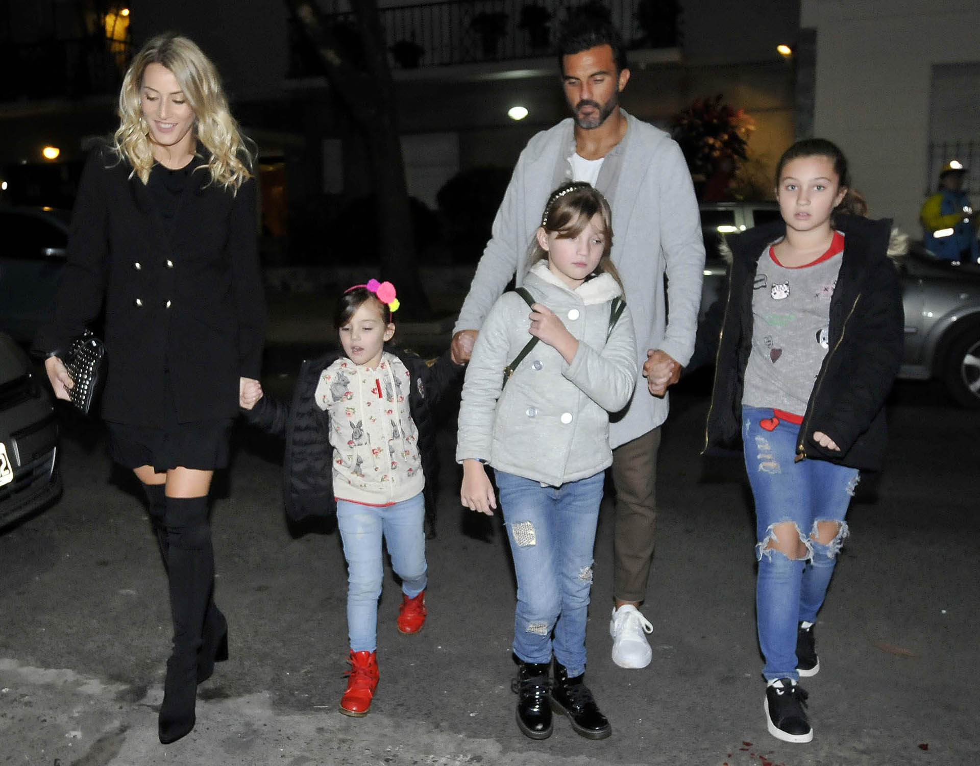 Mica Viciconte, Fabián Cubero y sus tres hijas
