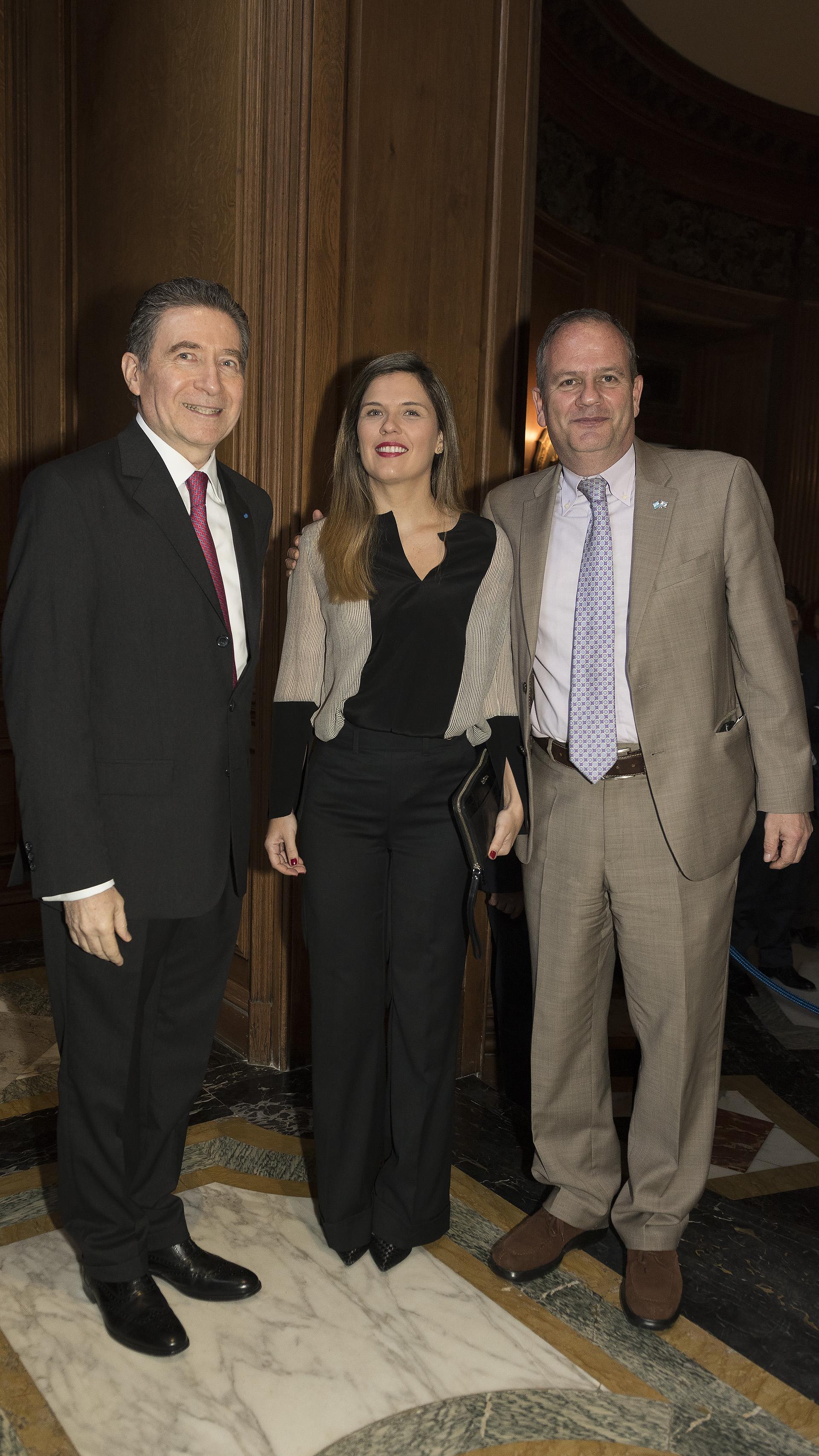 El embajador de Israel en la Argentina, Ilan Sztulman, y su mujer Jaqueline
