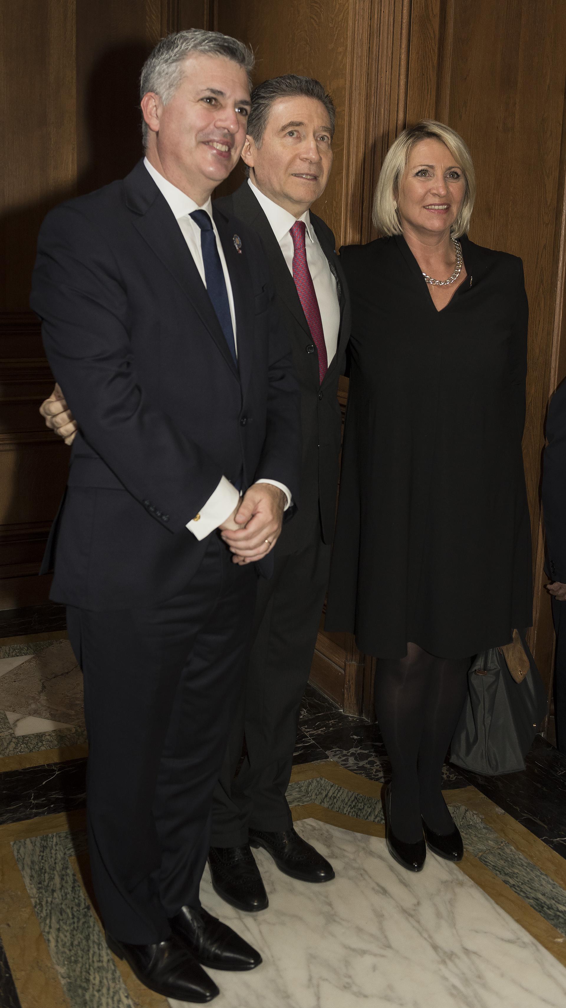 El representante argentino ante la OCDE, Marcelo Scaglione, y su mujer Paula