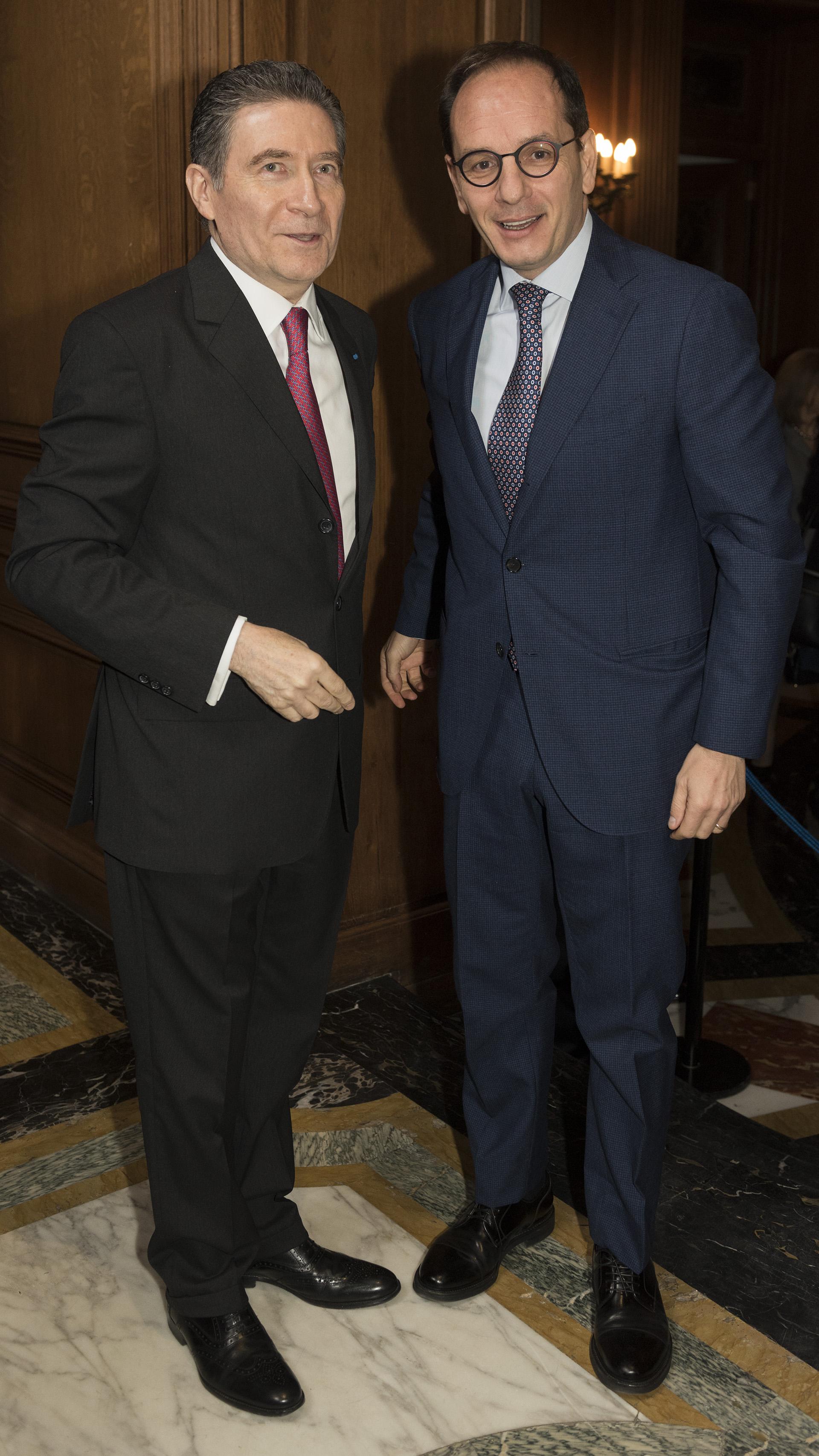 El embajador de Italia, Giuseppe Manzo