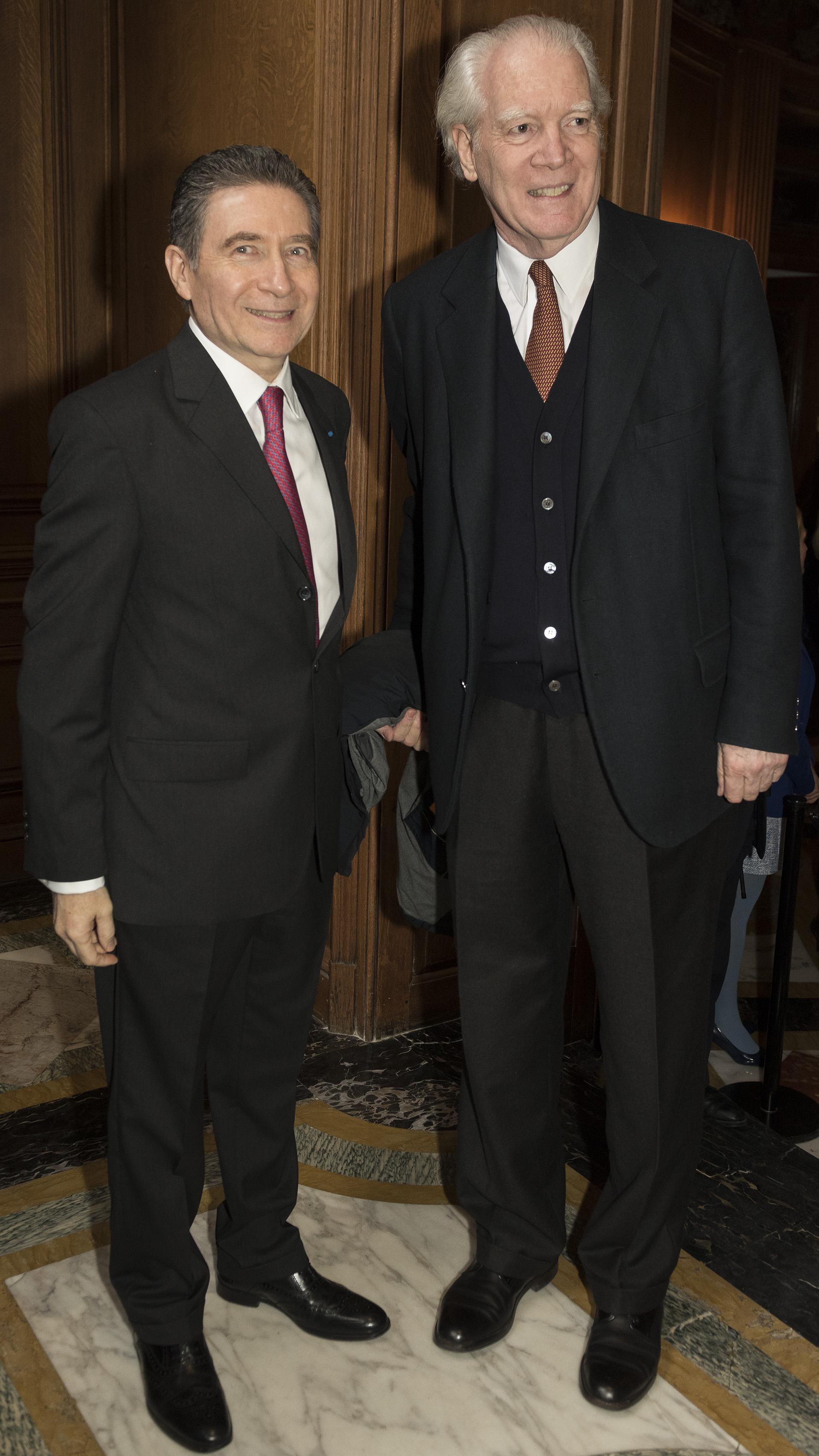 El embajador francés junto abogado Alberto Lisdero /// Fotos: Adrián Escandar