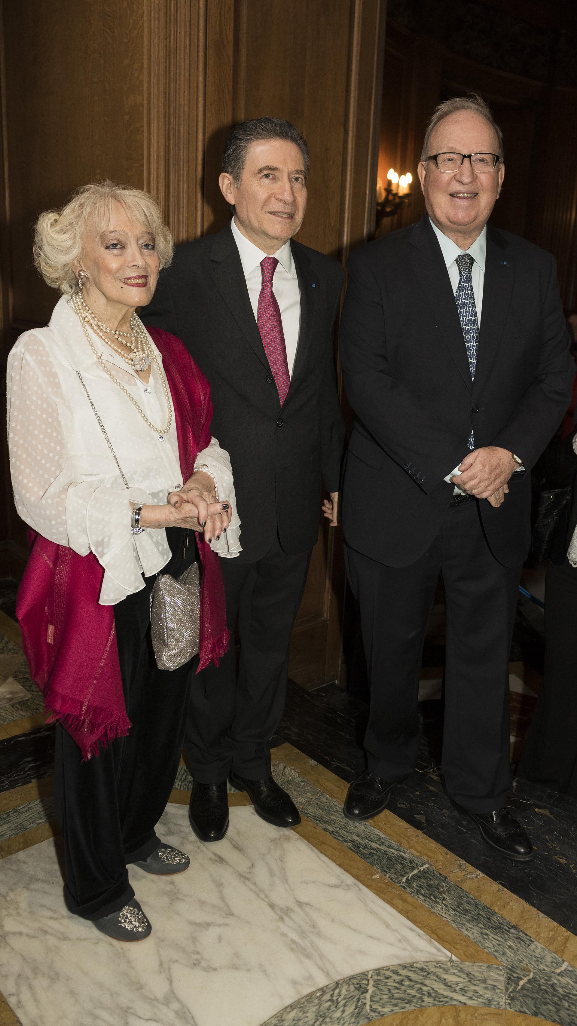 Los embajadores de Francia junto al abogado constitucionalista, Daniel Sabsay