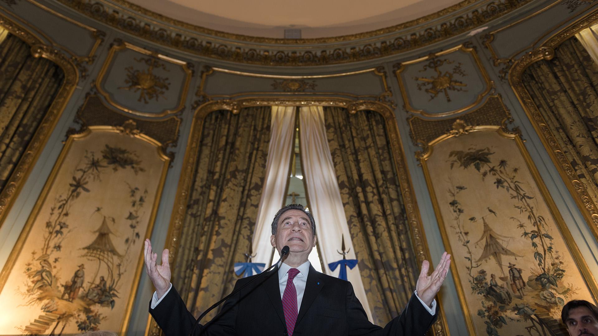 El embajador durante su discurso
