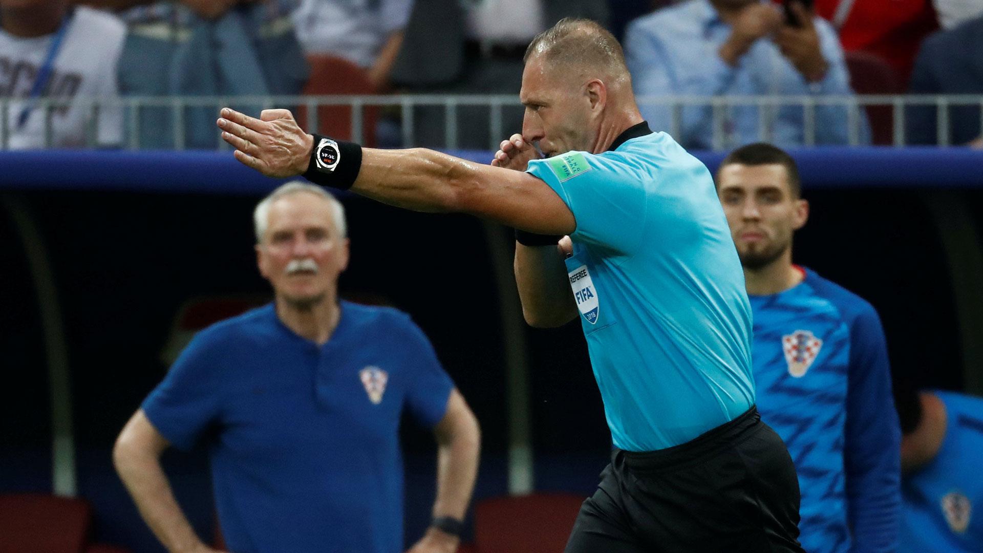 El árbitro cobró tras revisar la jugada
