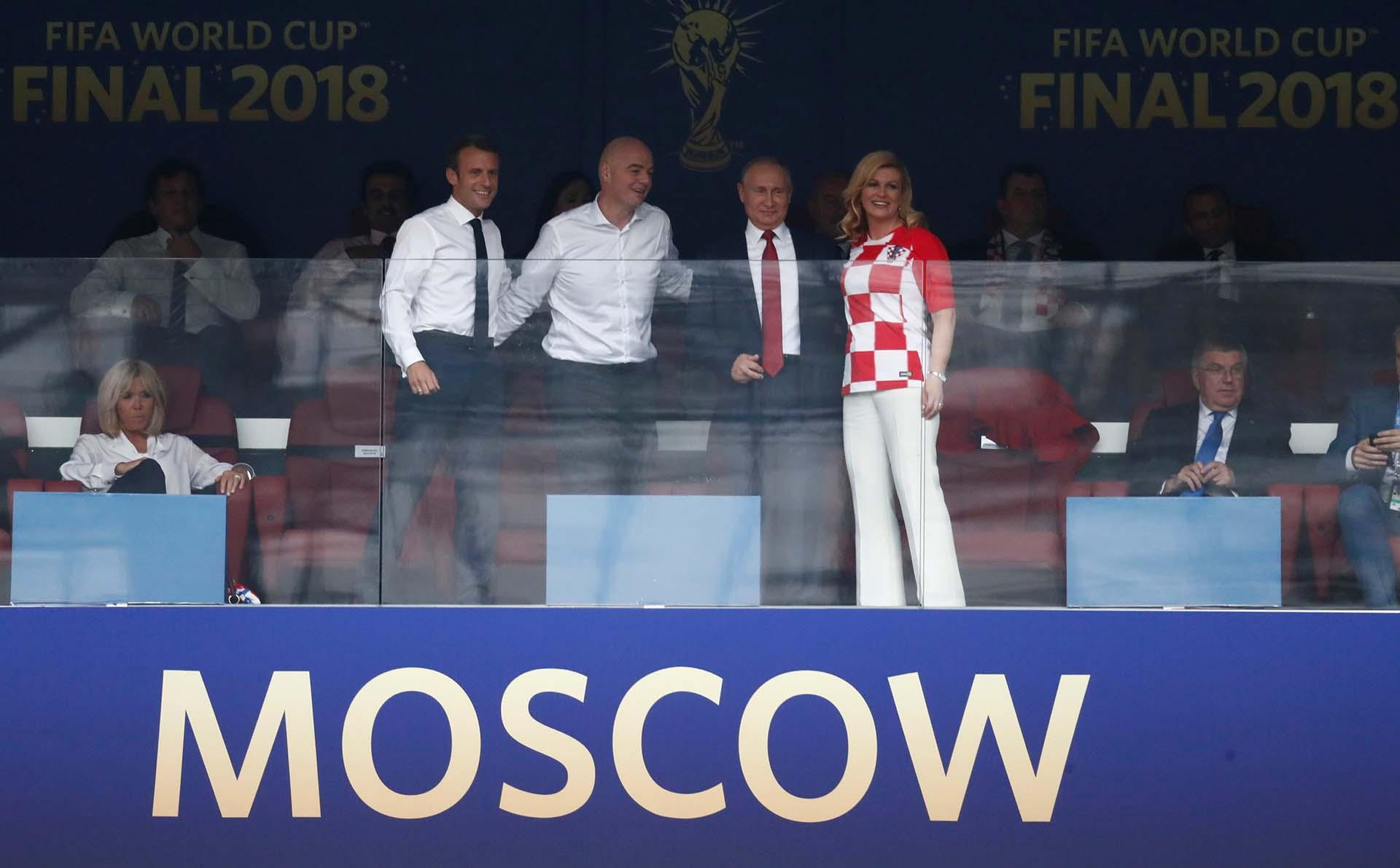 Macron, Infantino, Putin y Kolinda Grabar-KitaroviÄ?, presidenta de Croacia