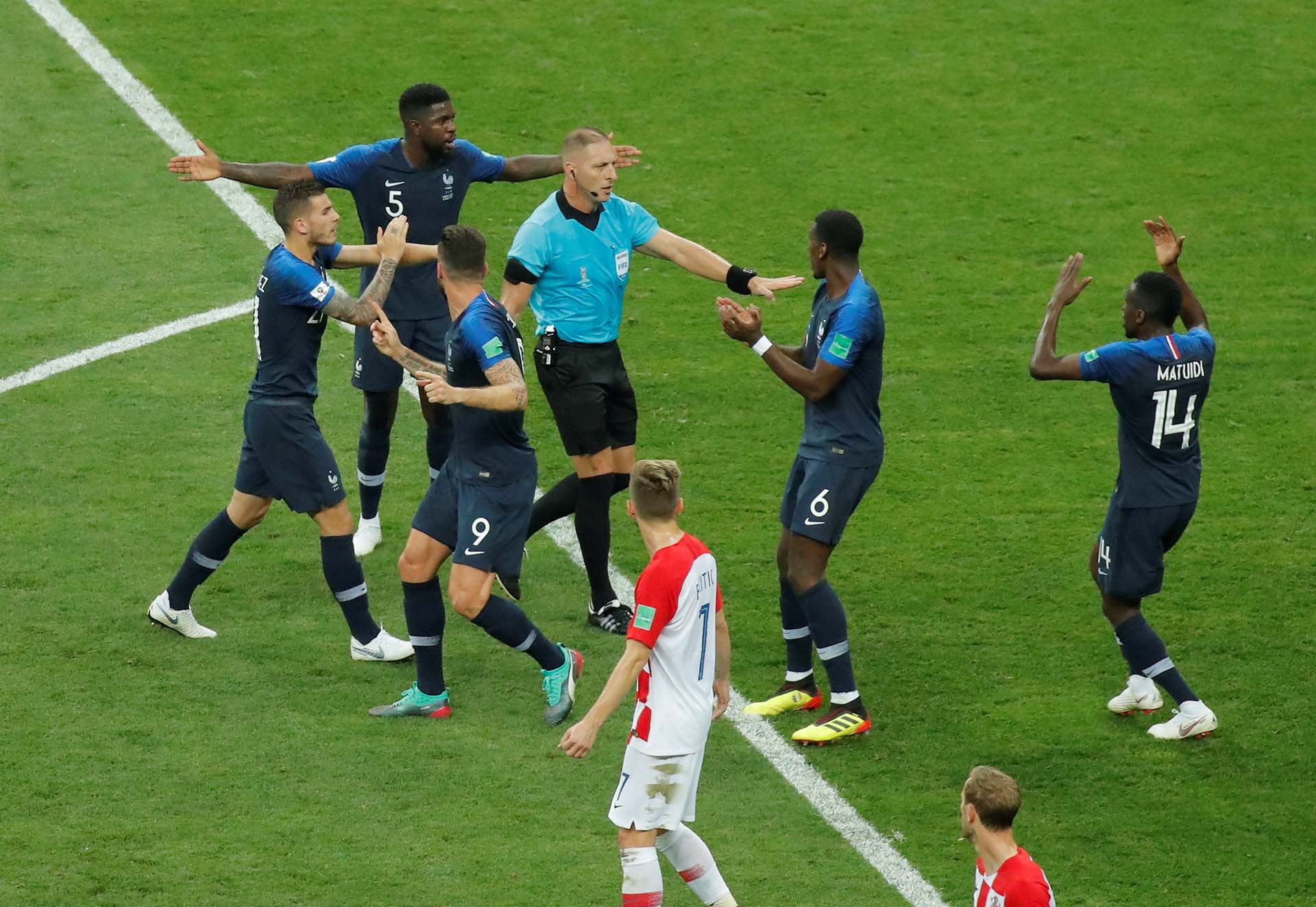 El argentino Néstor Pitana fue el árbitro de la final