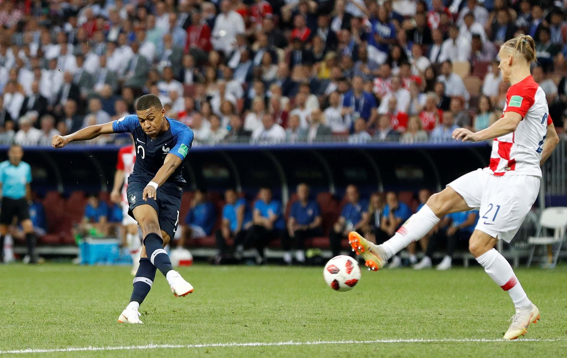 Mbappé hizo tres goles en el Mundial