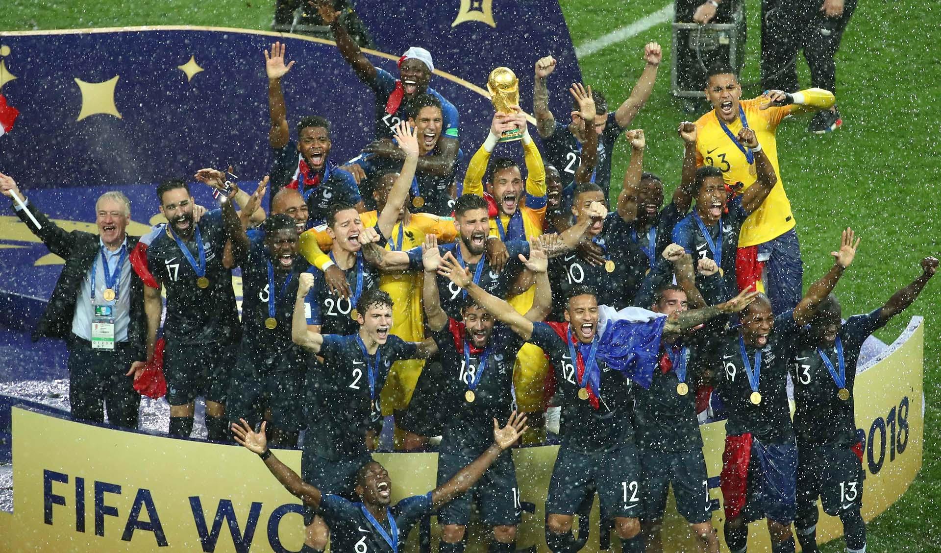 Francia venció a Croacia por 4-2