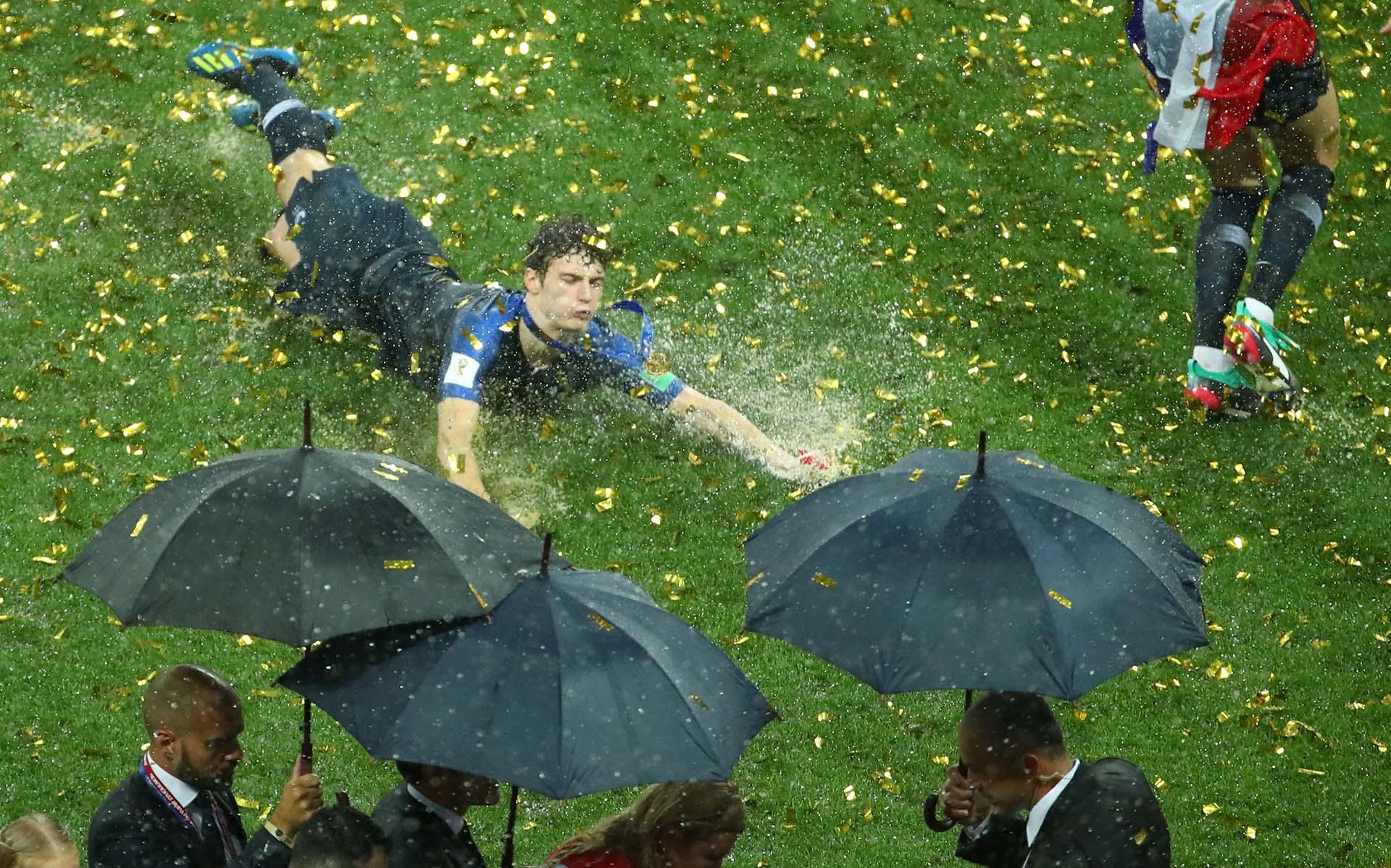 La lluvia no opacó los festejos de Francia