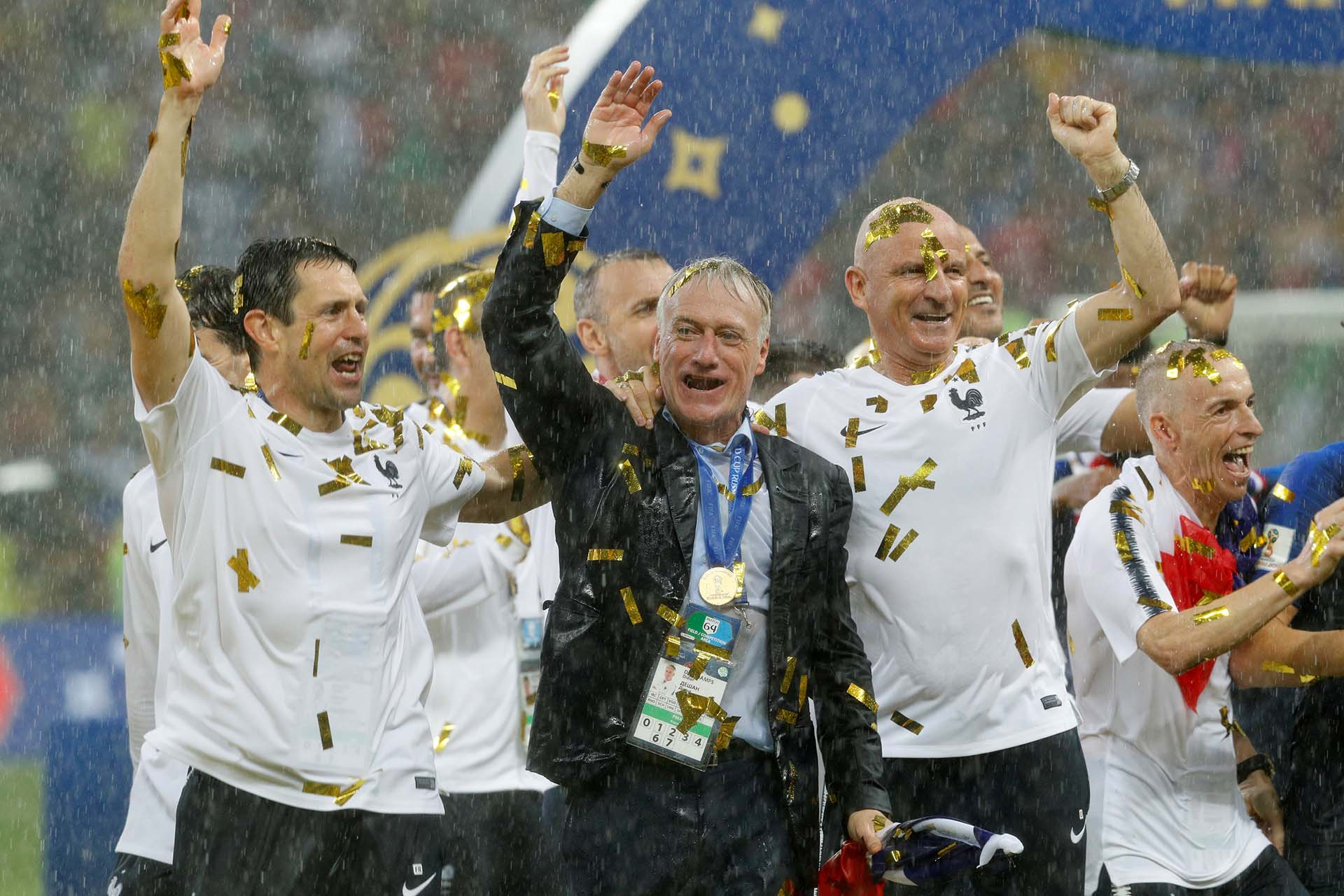 Deschamps, entrenador del campeón