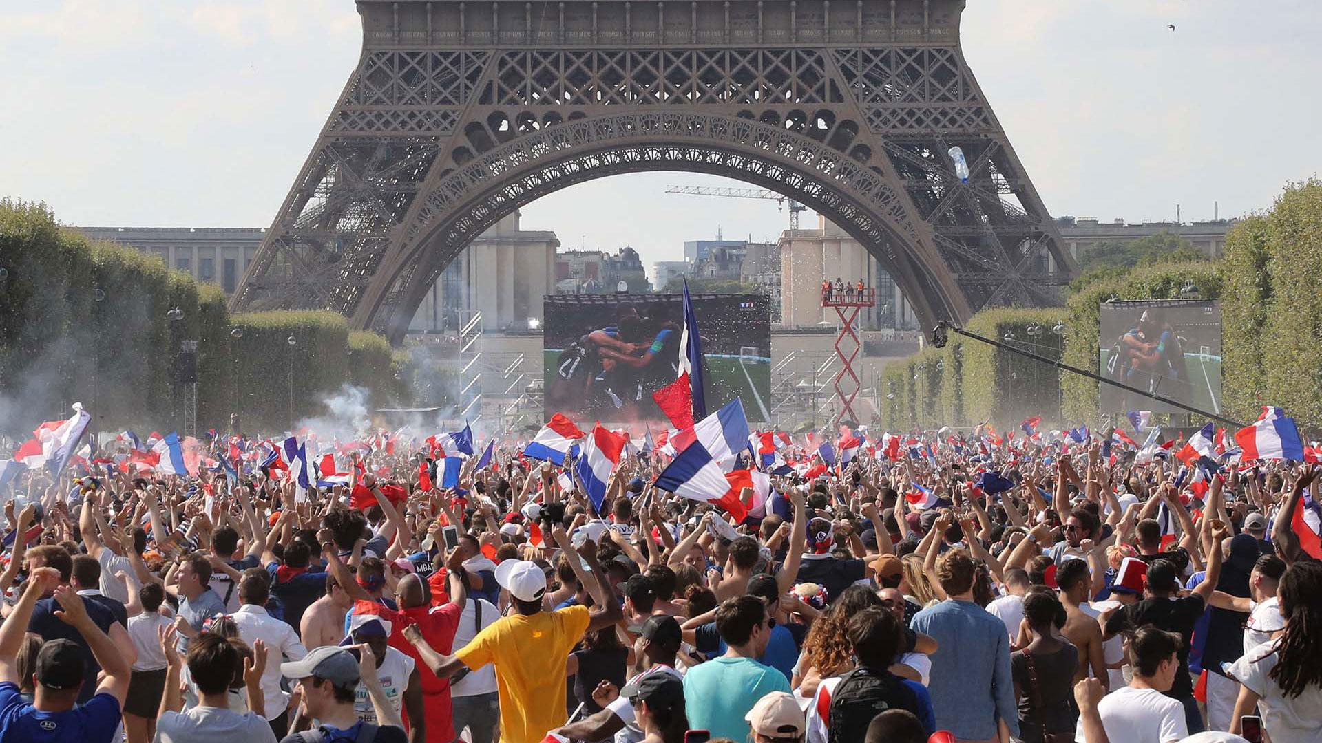 Las celebraciones en París, tras la victoria de Francia, en el Mundial de Rusia 2018.