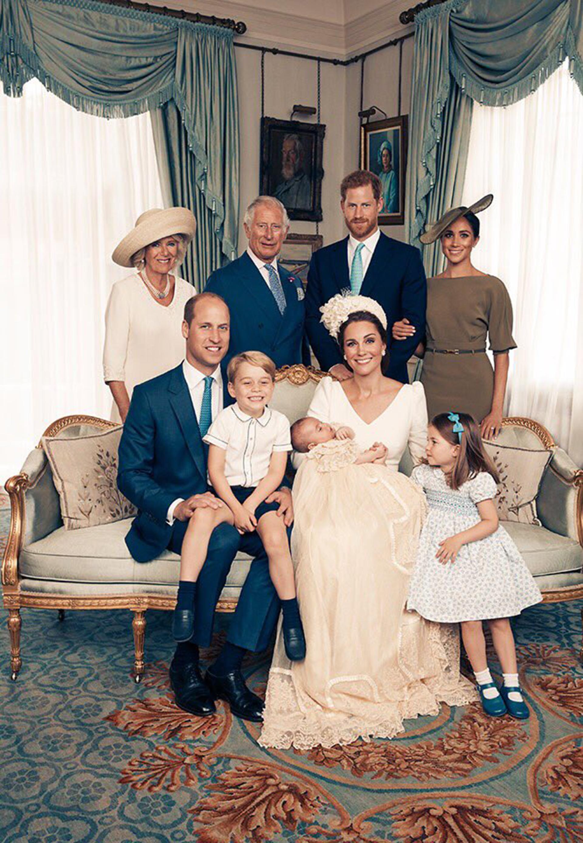 Las fotos de la familia real británica en el bautismo del príncipe Louis